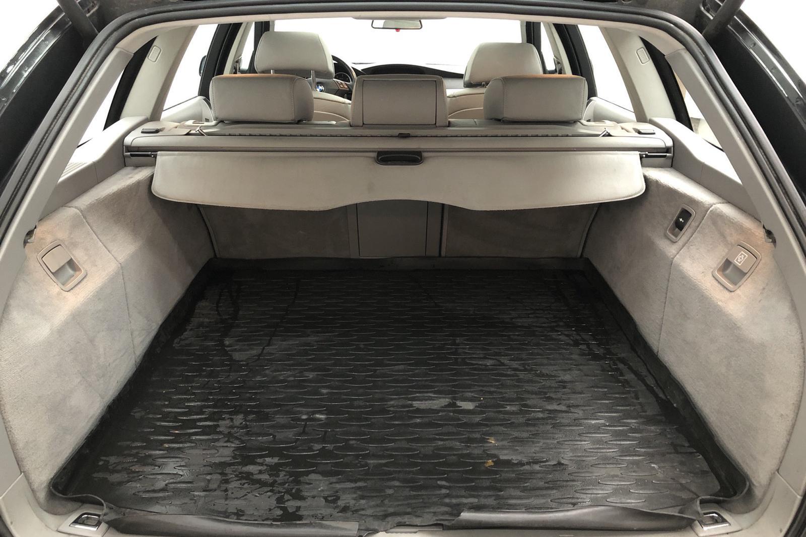 BMW 530xd Touring, E61 (231hk) - 198 000 km - Automatic - black - 2006