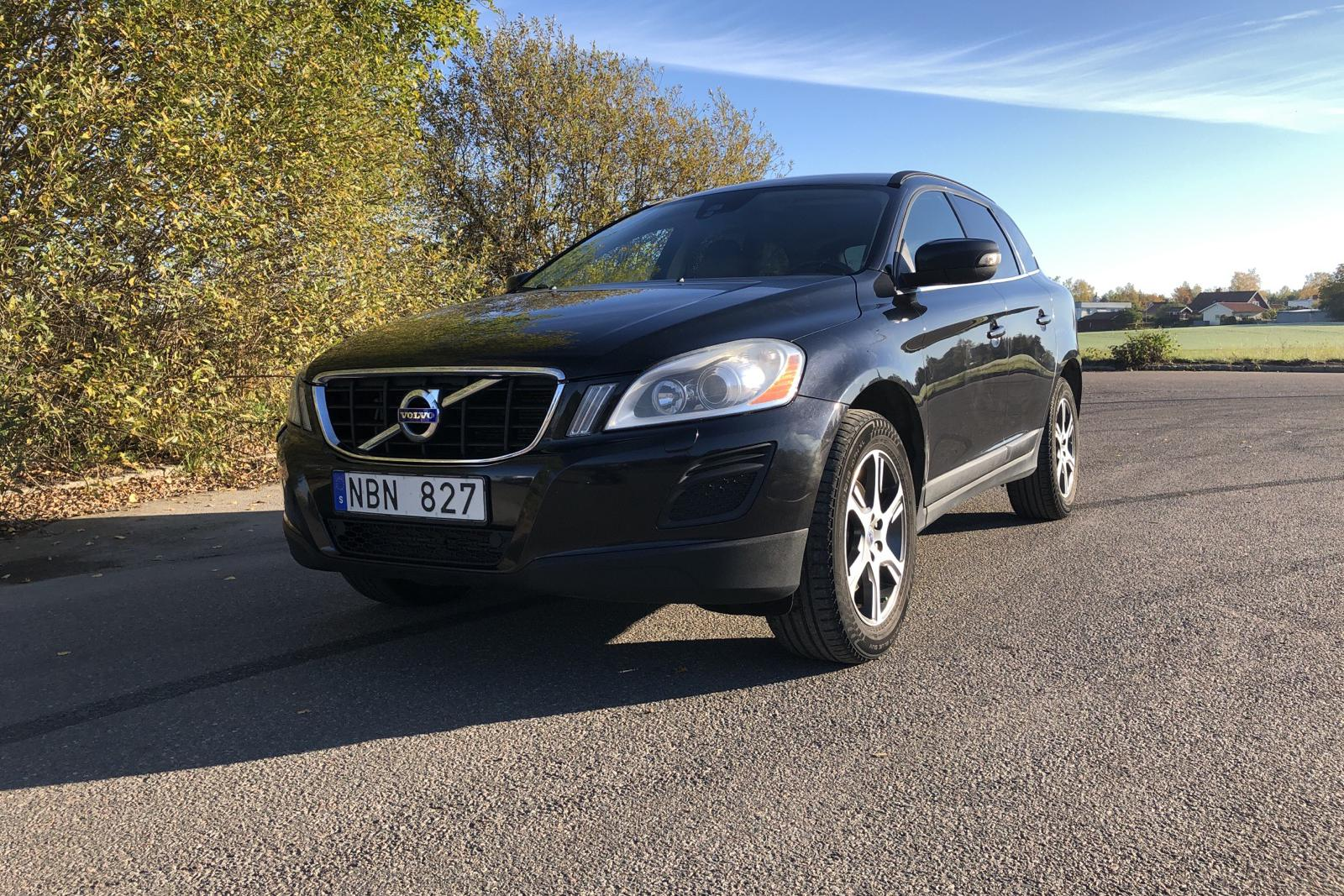 Volvo XC60 D4 AWD Dynamic Edition(163hk) - 208 030 km - Automatic - black - 2013