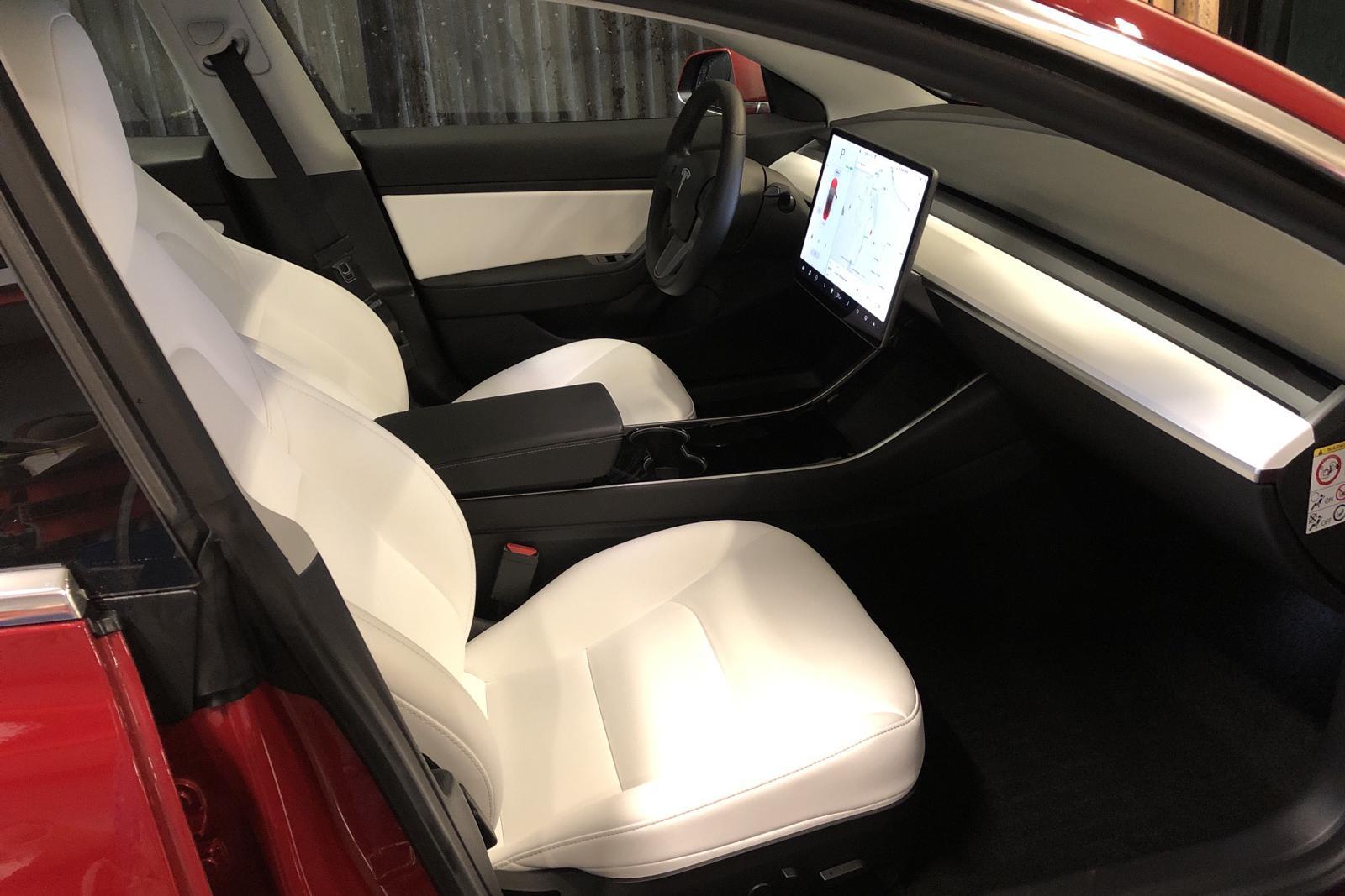 Tesla Model 3 Performance AWD - 700 mil - röd - 2019