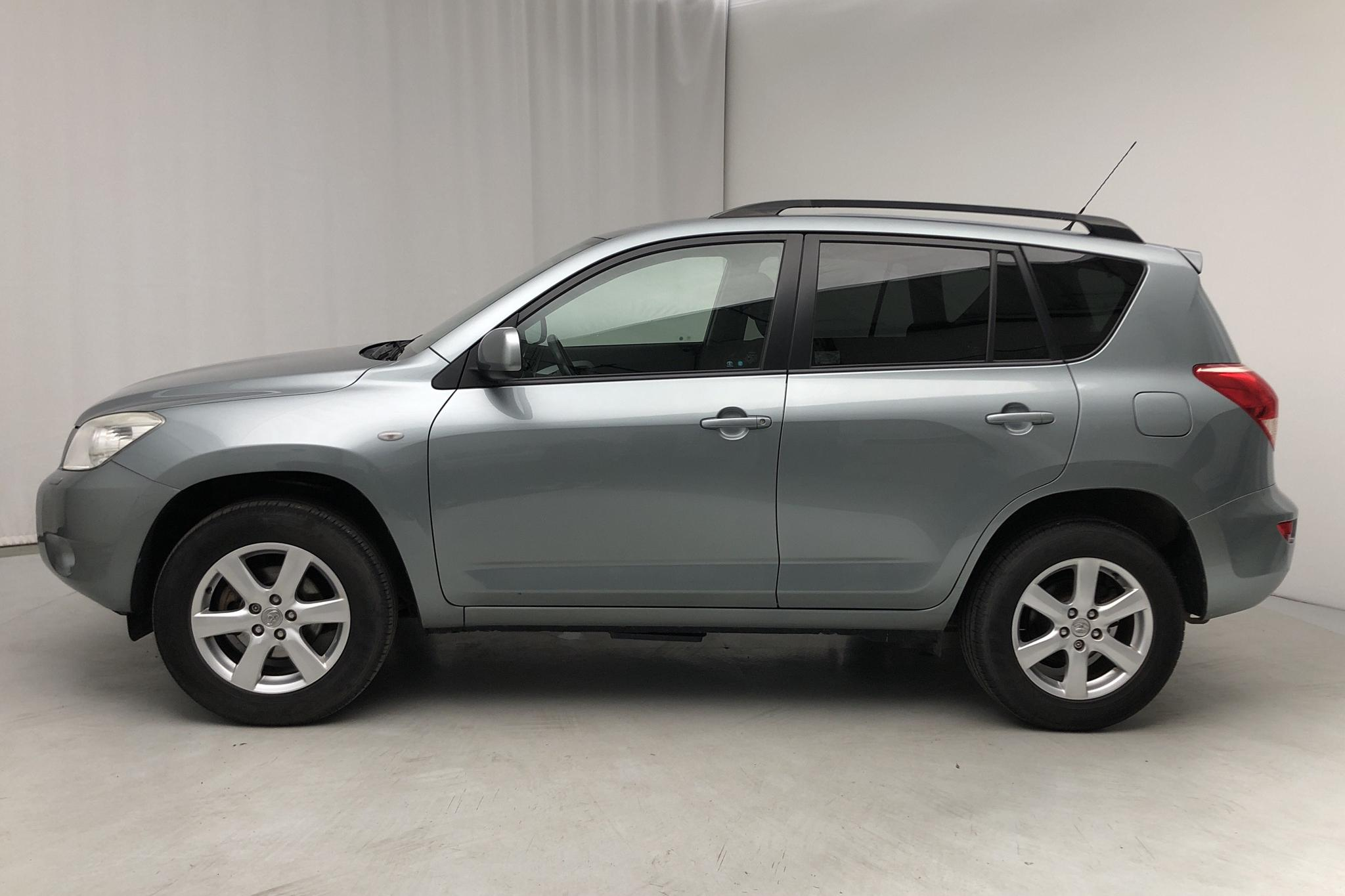 Toyota RAV4 2.0 (152hk) - 109 000 km - Manual - Light Green - 2008