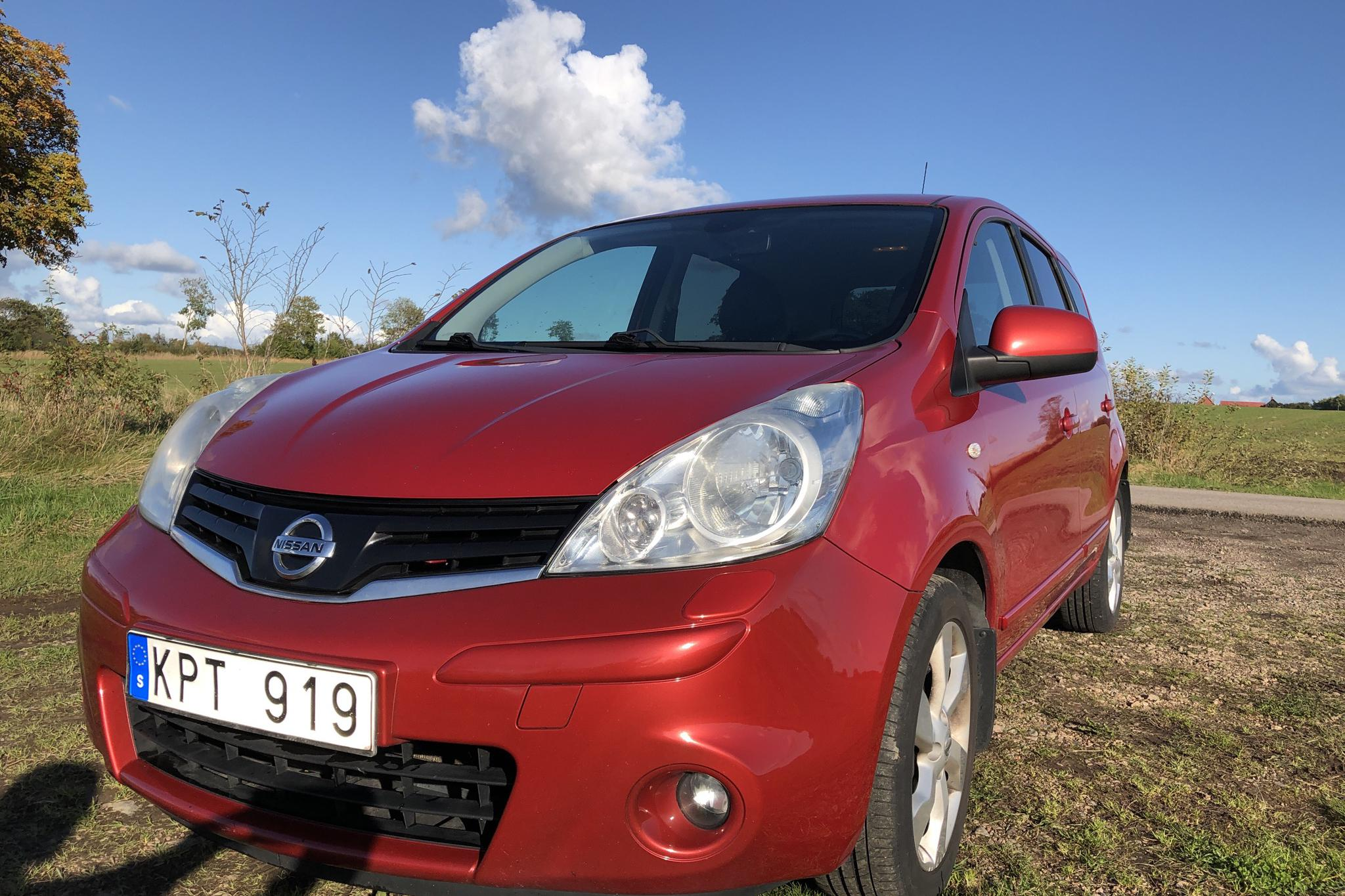 Nissan Note 1.6 (110hk) - 110 000 km - Automatic - red - 2010