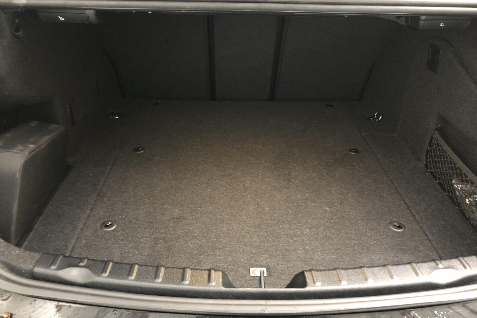 BMW 330e Sedan, F30 (252hk) - 41 306 km - Automatic - black - 2017