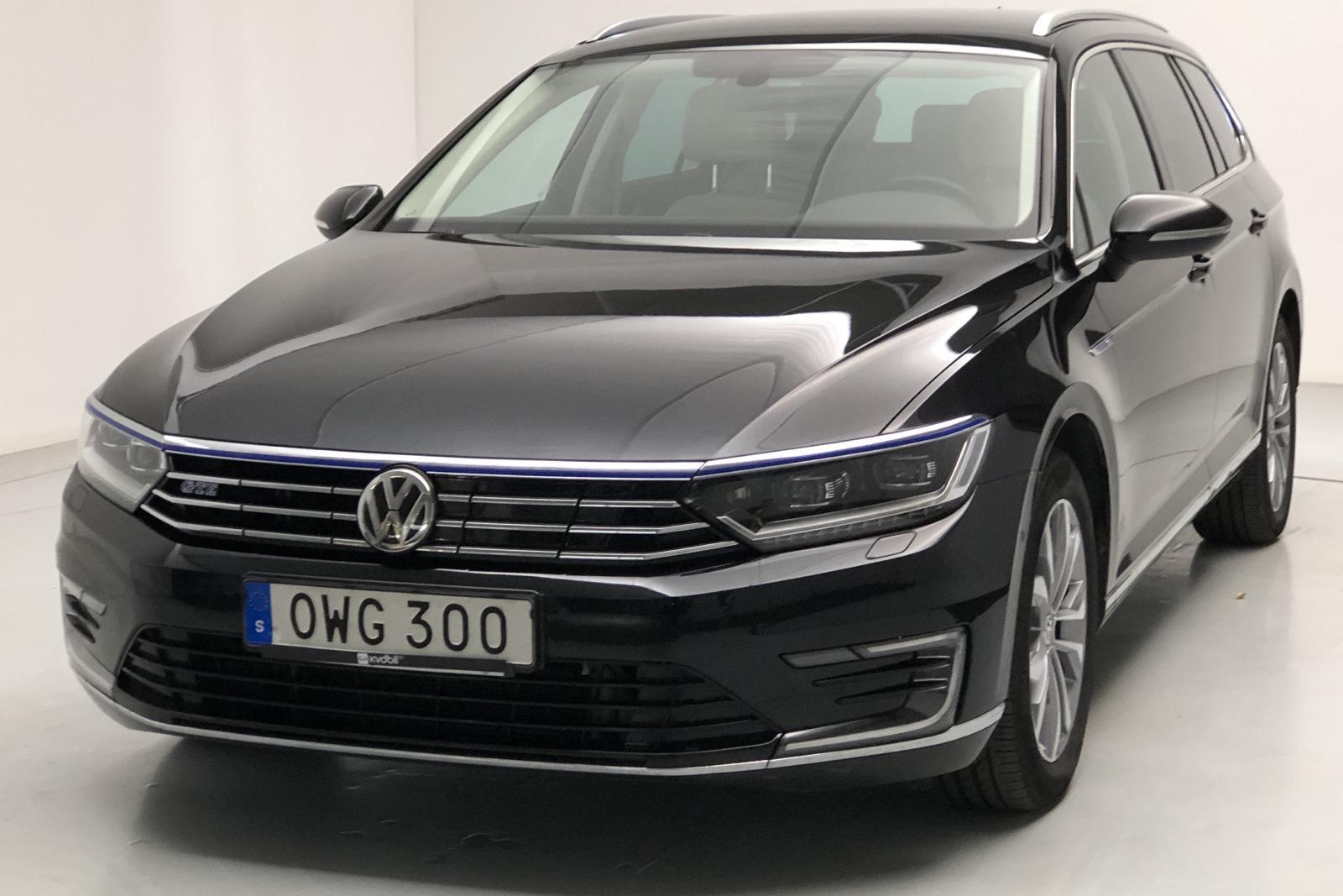 VW Passat 1.4 Plug-in-Hybrid Sportscombi (218hk) - 4 598 mil - Automat - svart - 2018