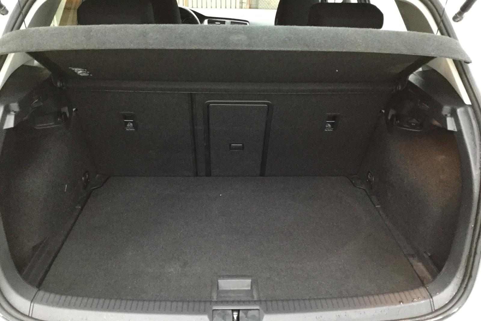 VW Golf VII 1.6 TDI BlueMotion Technology 5dr 4Motion (105hk) - 0 km - Manual - silver - 2014