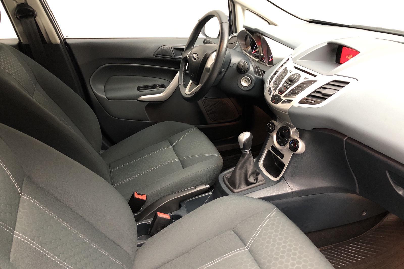 Ford Fiesta 1.25 5dr (82hk) - 38 000 km - Manual - blue - 2011