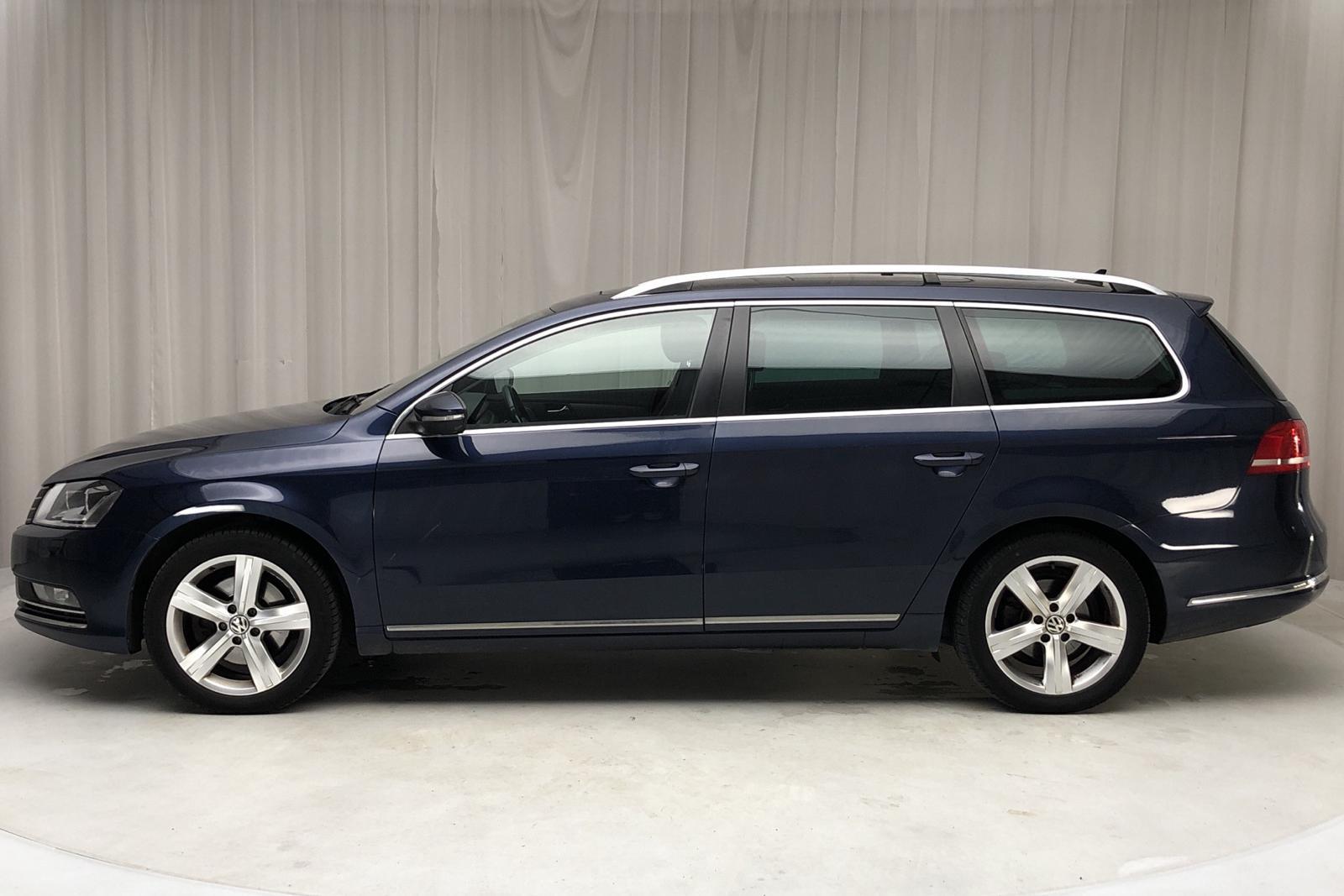 VW Passat 1.4 TSI EcoFuel Variant (150hk) - 190 000 km - Manual - Dark Blue - 2012