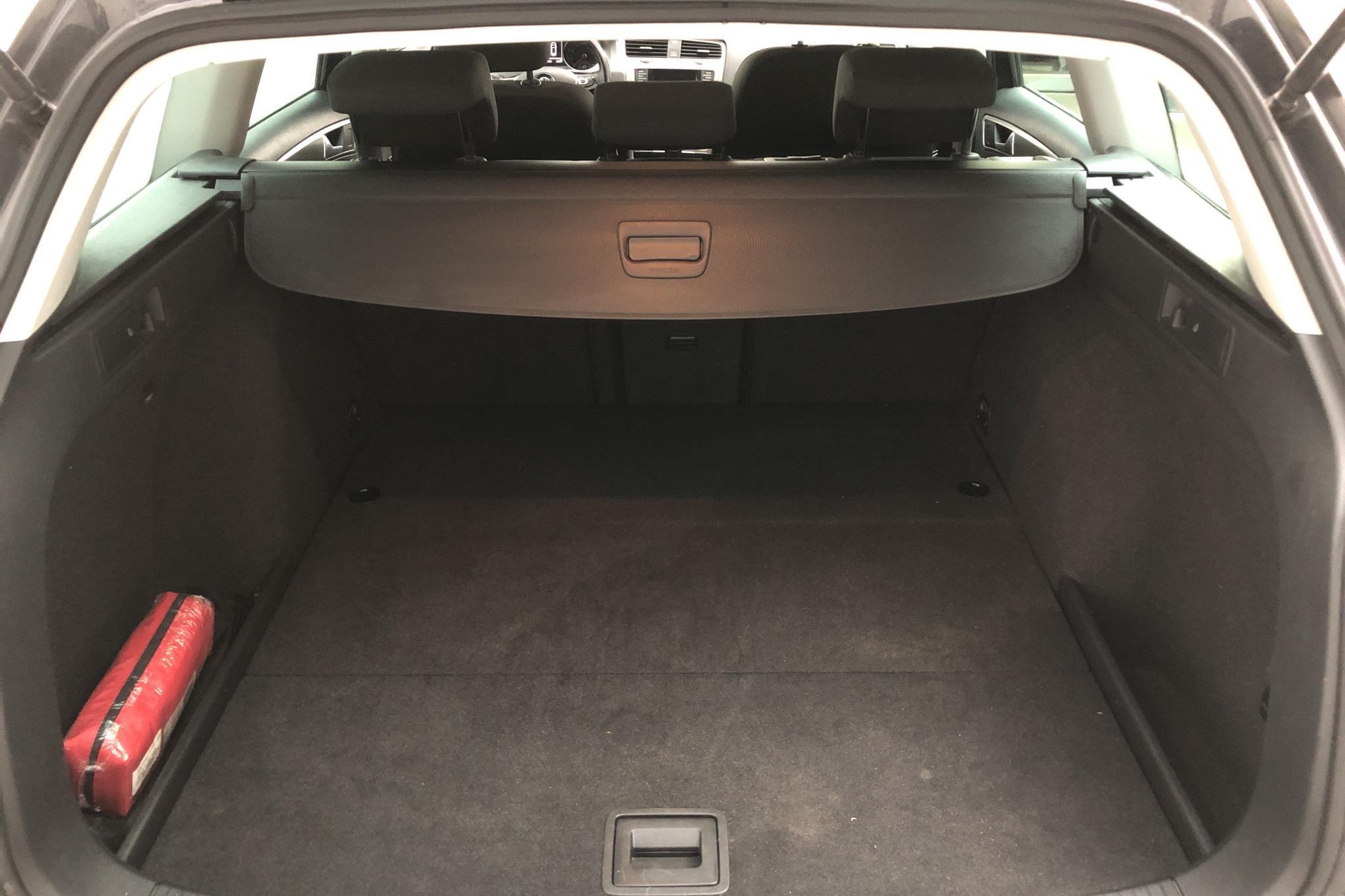 VW Golf VII 1.6 TDI BlueMotion Technology Sportscombi (105hk) - 141 280 km - Manual - Dark Grey - 2014