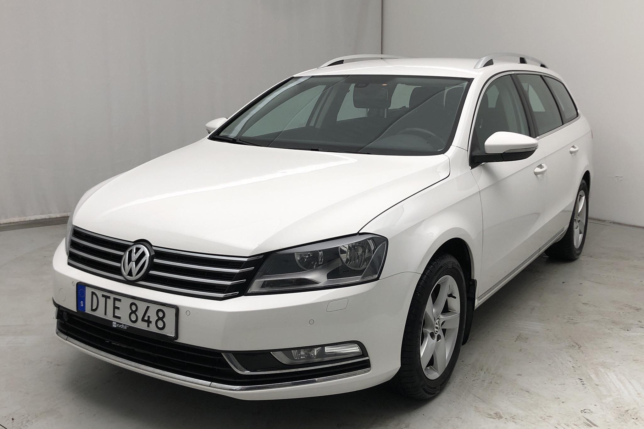 VW Passat 1.4 TSI EcoFuel Variant (150hk) - 14 600 mil - Manuell - vit - 2011