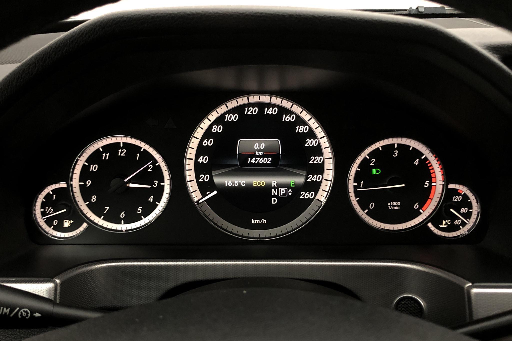 Mercedes E 220 CDI Kombi S212 (170hk) - 147 000 km - silver - 2013