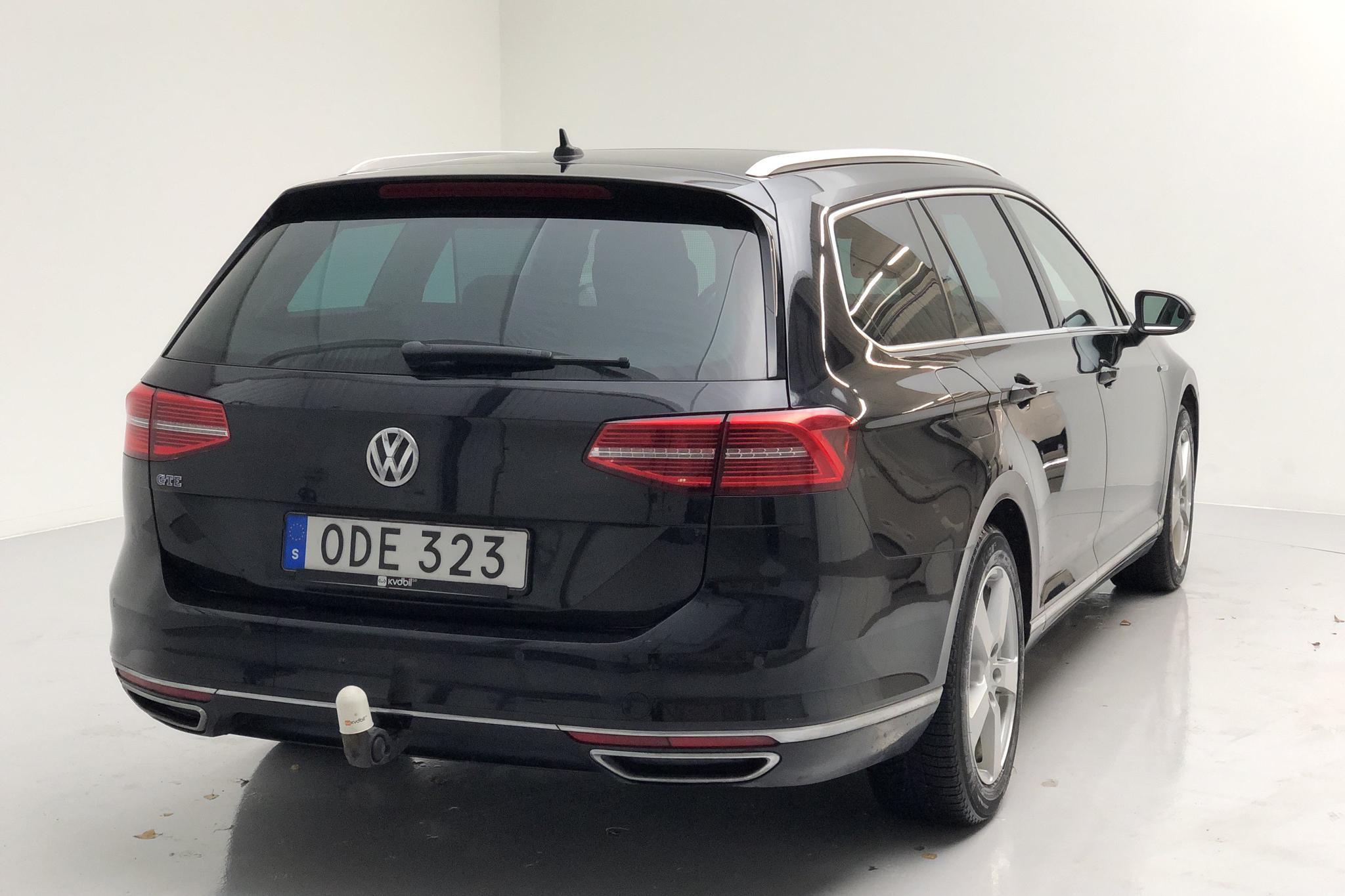 VW Passat 1.4 Plug-in-Hybrid Sportscombi (218hk) - 9 317 mil - Automat - svart - 2017