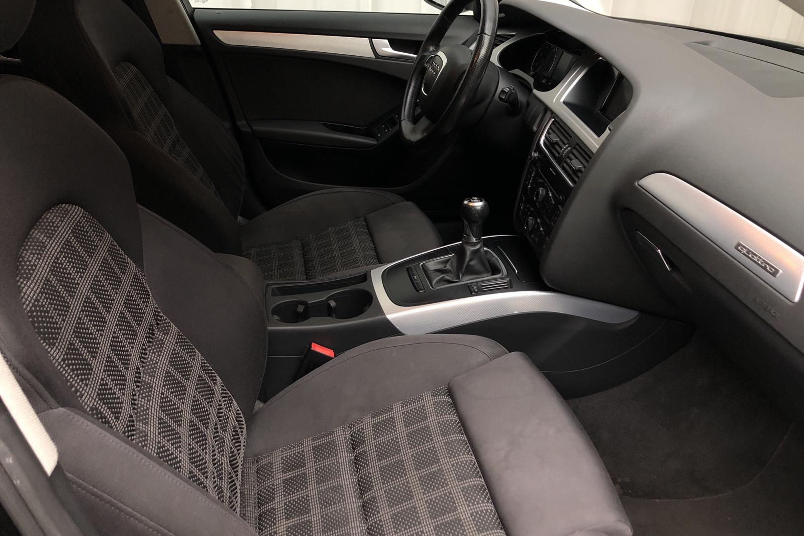 Audi A4 2.0 TFSI E85 Avant quattro (180hk) - 198 000 km - Manual - black - 2011