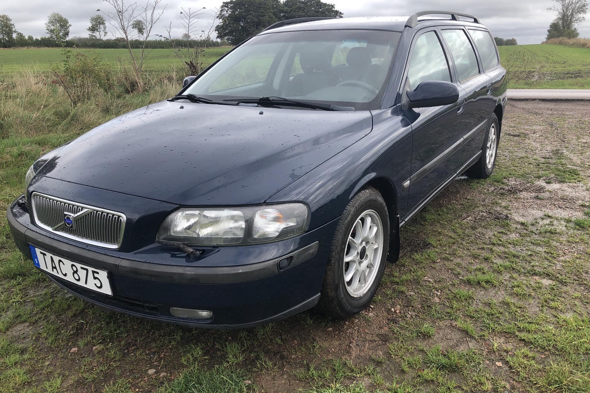 Volvo V70 2.4 (140hk) - 0 mil - Manuell - Dark Blue - 2002