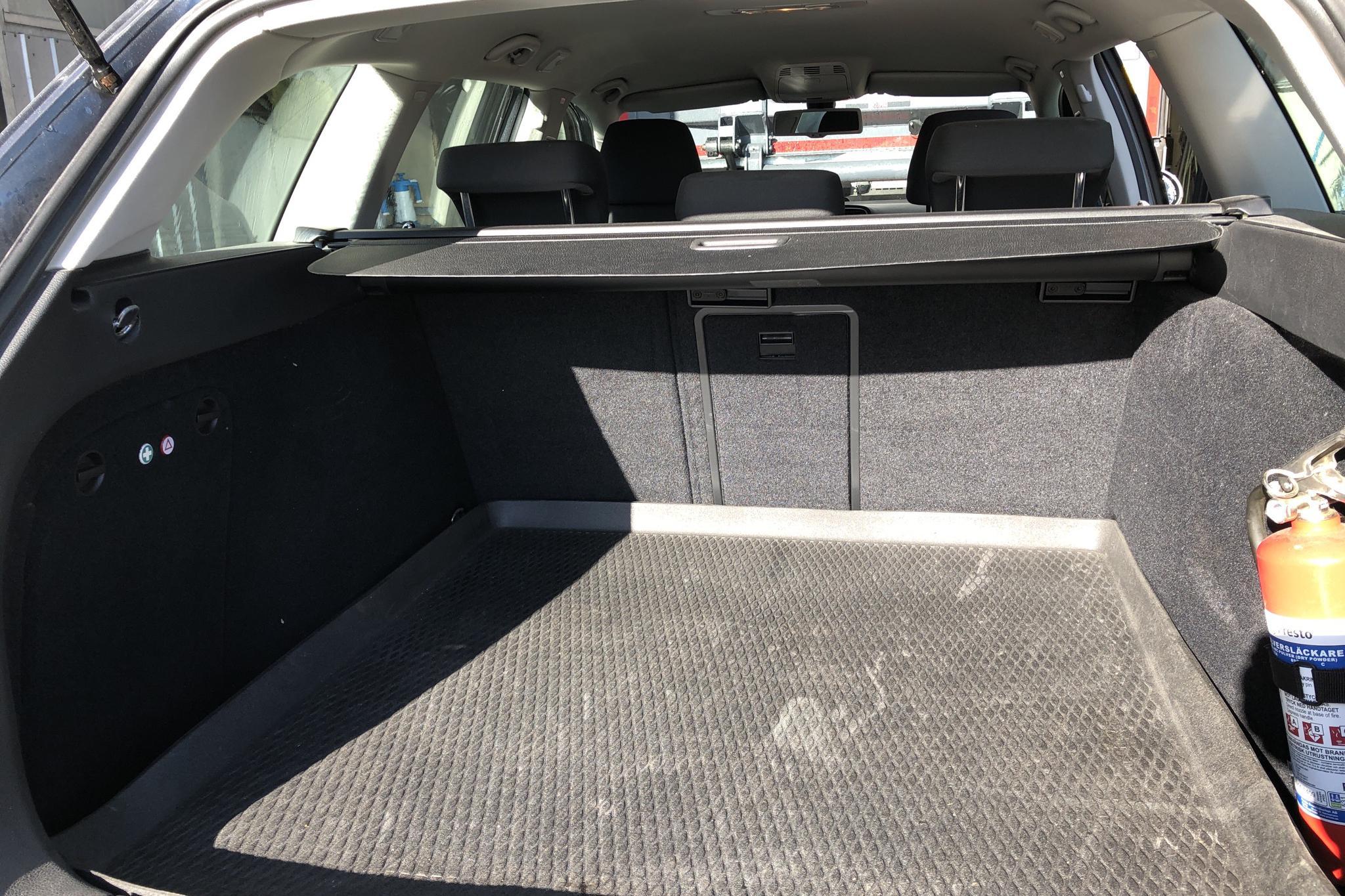 VW Golf VI 1.6 TDI Variant 4motion (105hk) - 0 mil - Manuell - Dark Grey - 2013