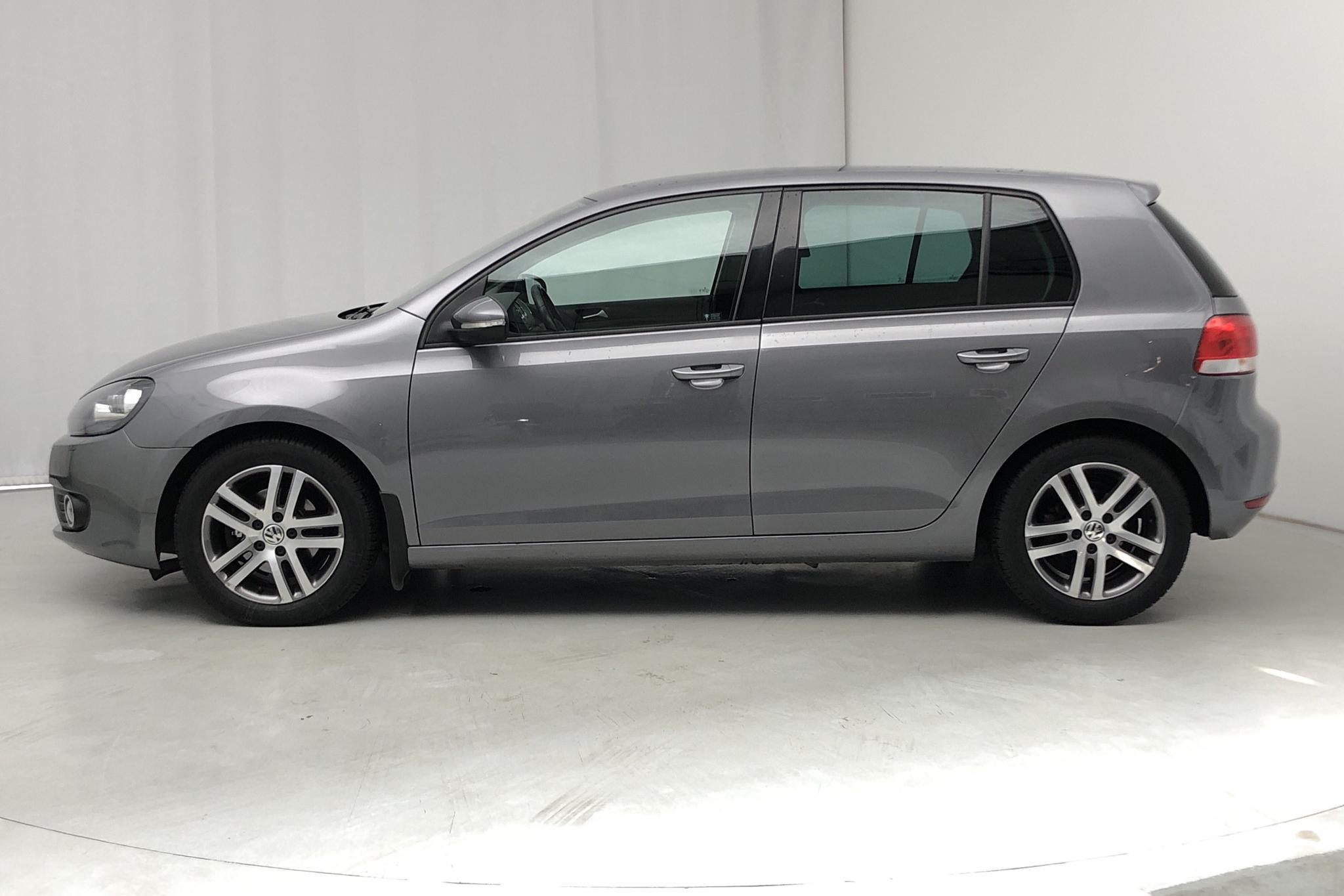 VW Golf VI 1.6 TDI BlueMotion Technology 5dr (105hk) - 104 000 km - Manual - gray - 2011