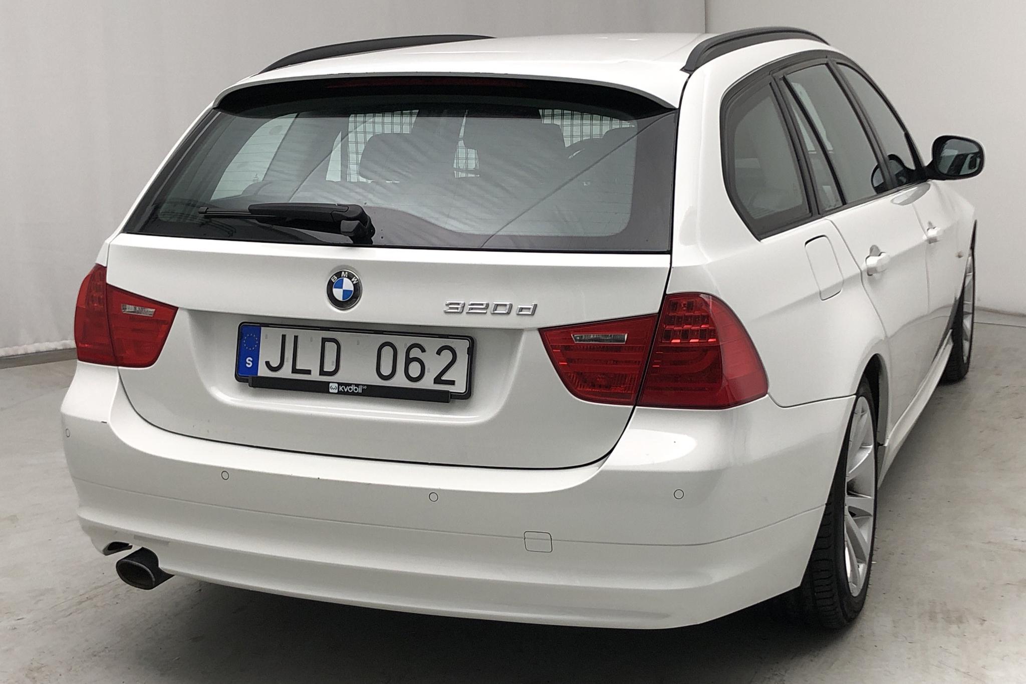 BMW 320d Touring, E91 (184hk) - 275 000 km - Automatic - white - 2011