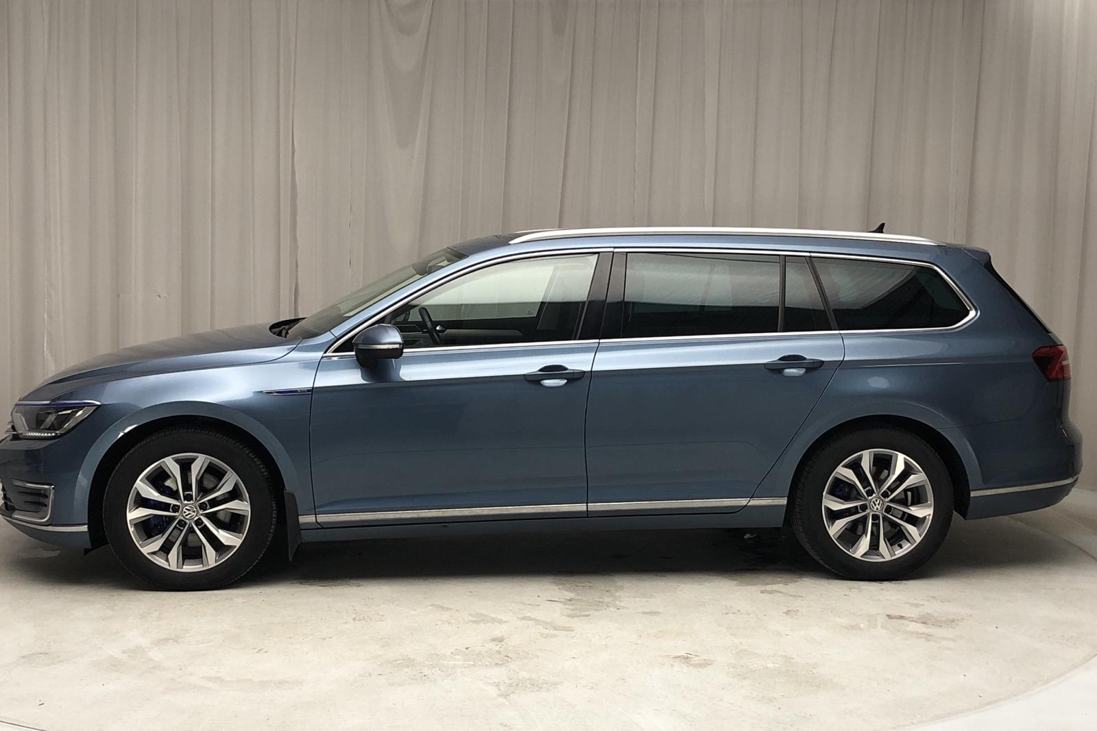 VW Passat 1.4 Plug-in-Hybrid Sportscombi (218hk) - 98 940 km - Automatic - blue - 2017