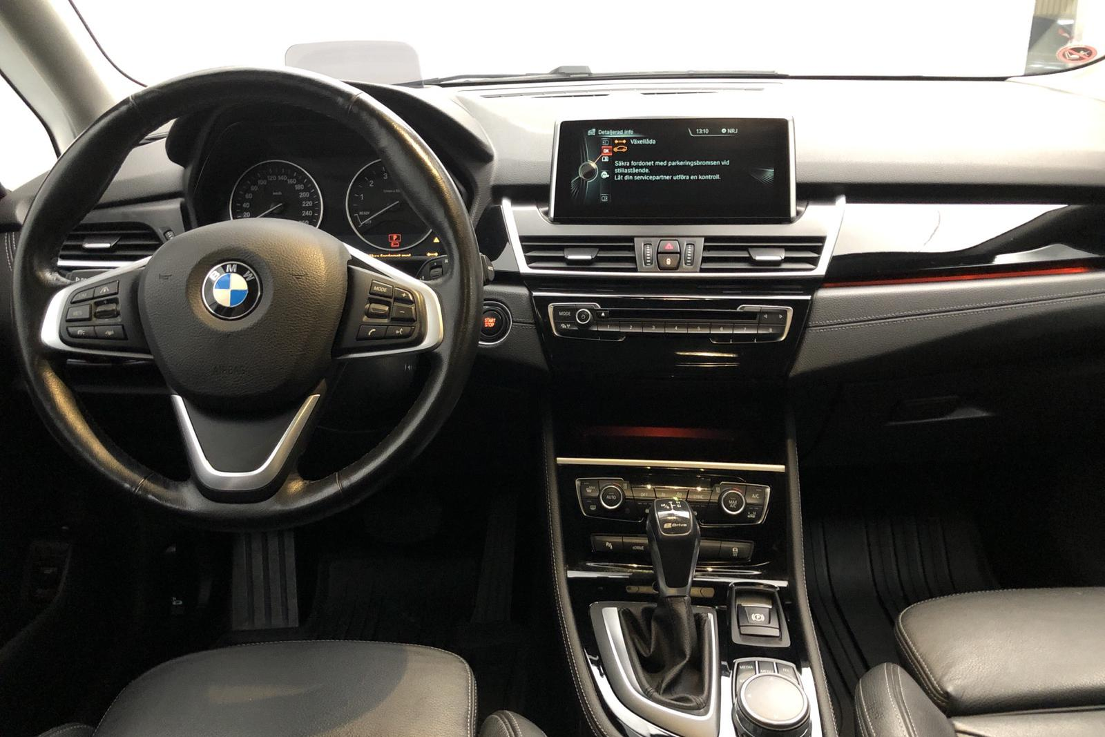 BMW 225xe Active Tourer, F45 (224hk) - 9 761 mil - Automat - svart - 2016