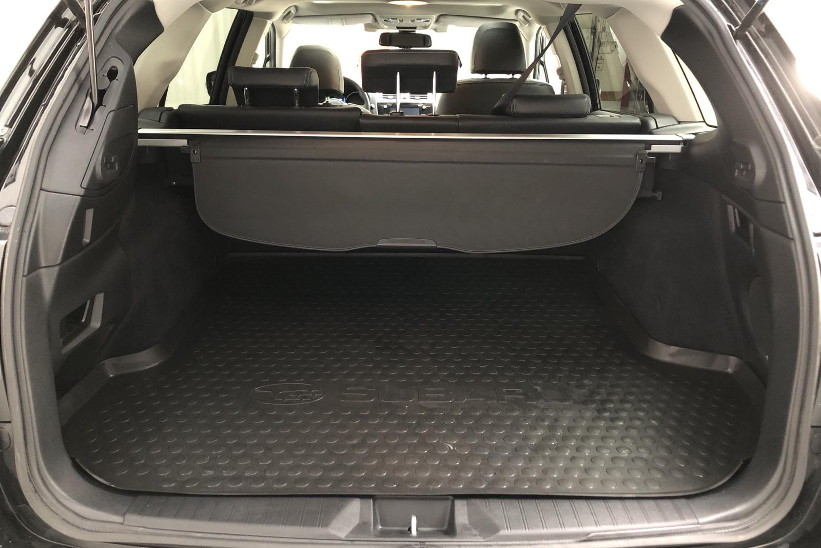 Subaru Outback 2.0D 4WD (150hk) - 0 km - black - 2017