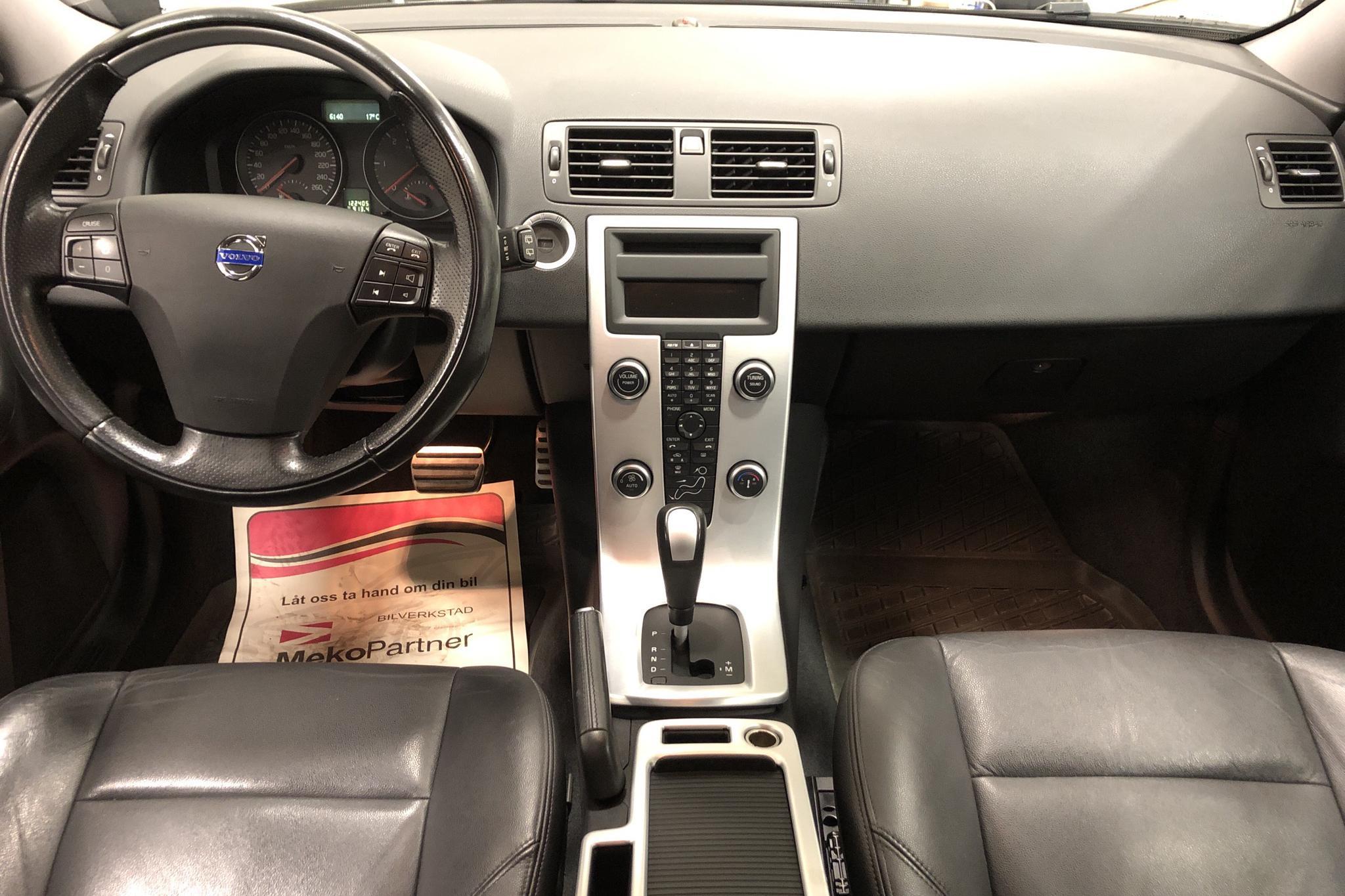 Volvo V50 D3 (150hk) - 12 200 mil - Automat - svart - 2012