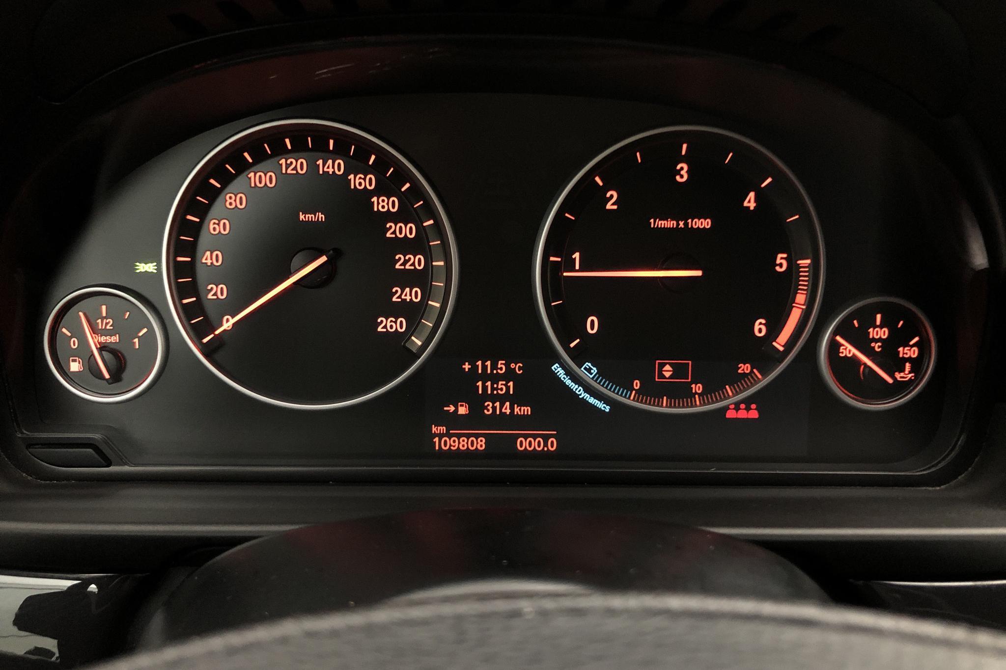 BMW 520d Touring, F11 (184hk) - 11 100 mil - Manuell - svart - 2014