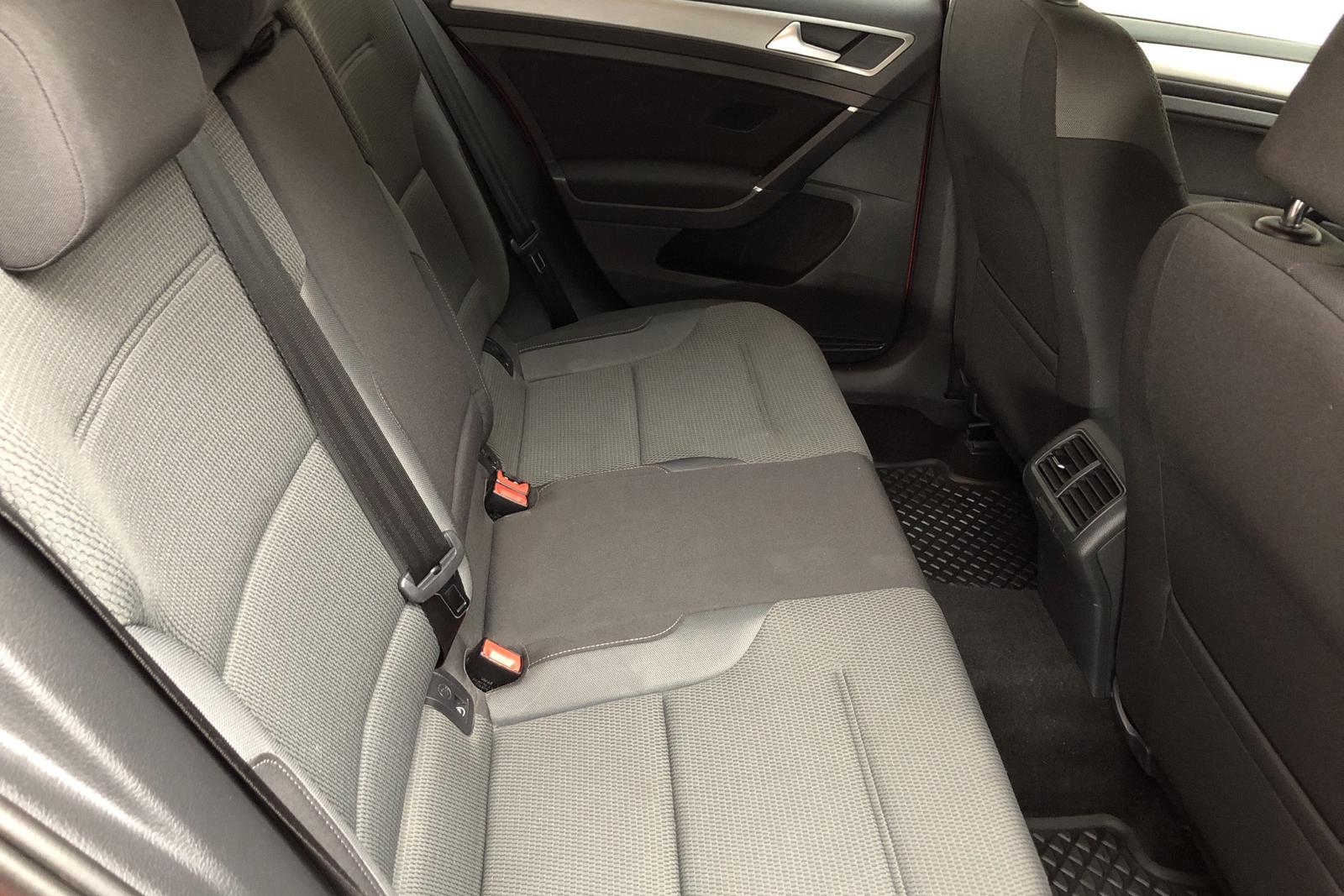 VW Golf VII 1.4 TSI Multifuel Sportscombi (125hk) - 3 801 mil - Manuell - röd - 2016