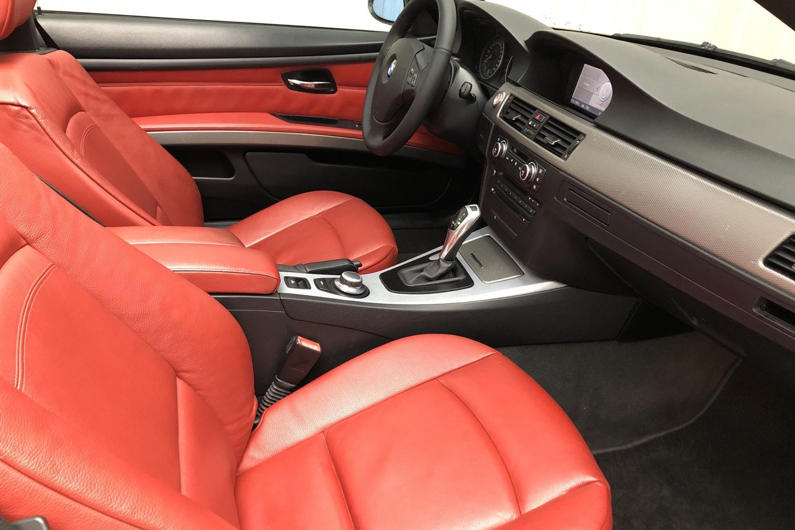 BMW 330d Cabriolet, E93 (231hk) - 150 000 km - Automatic - silver - 2007