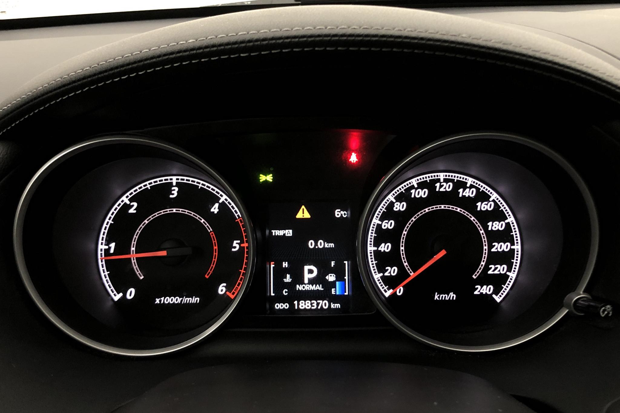 Mitsubishi Outlander 2.2 Di-D (156hk) - 18 900 mil - Automat - brun - 2012
