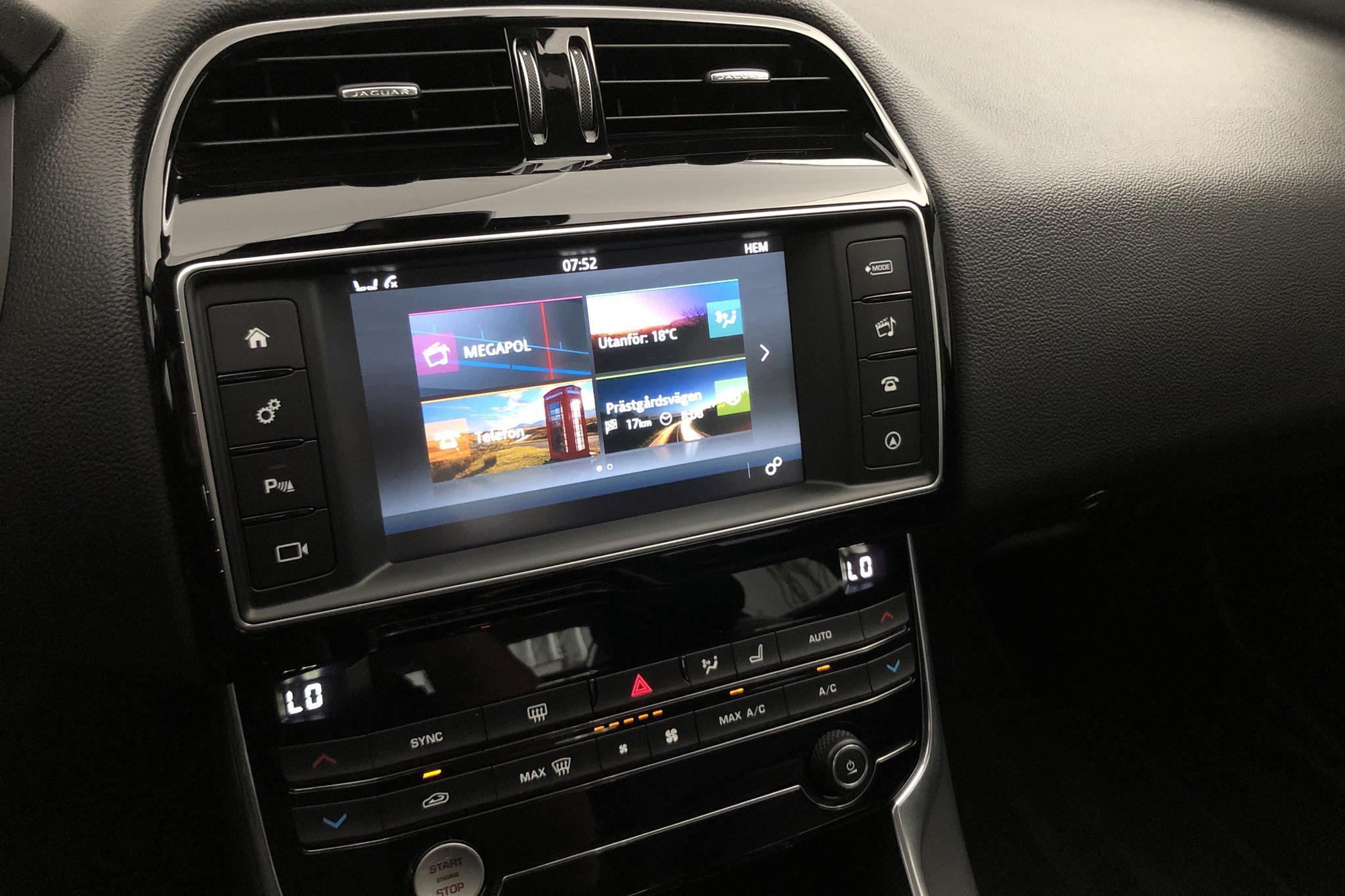 Jaguar XE 2.0 (200hk) - 6 307 mil - Automat - grå - 2017
