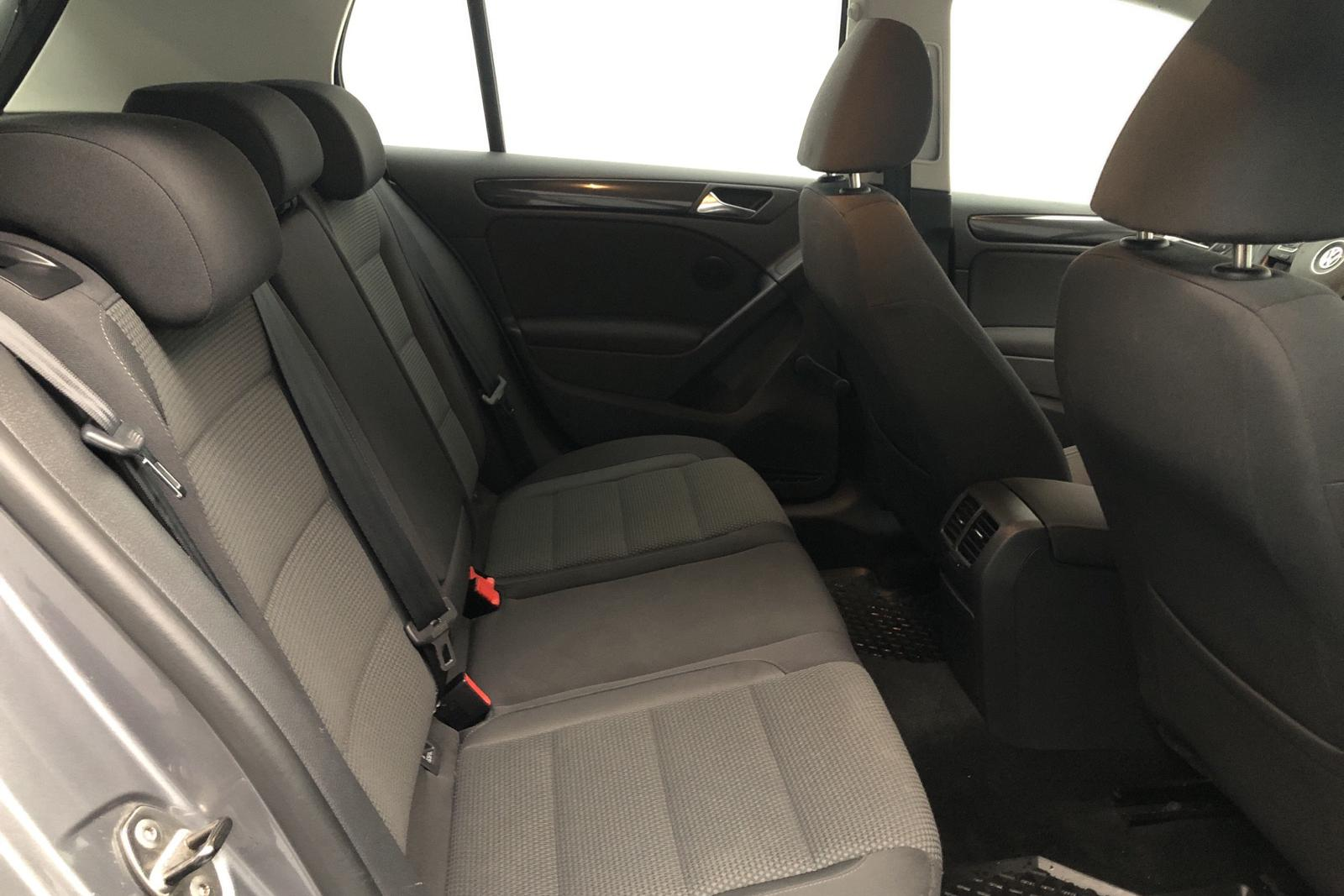 VW Golf VI 1.6 MultiFuel E85 5dr (102hk) - 143 000 km - Manual - gray - 2010
