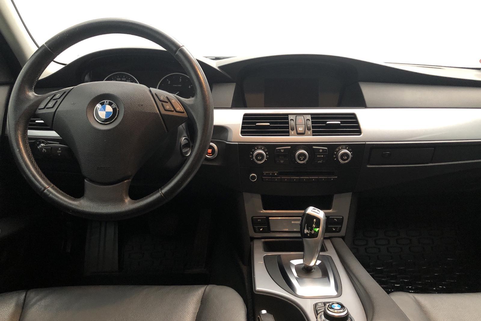 BMW 520d Sedan, E60 (177hk) - 19 900 mil - Automat - grå - 2009