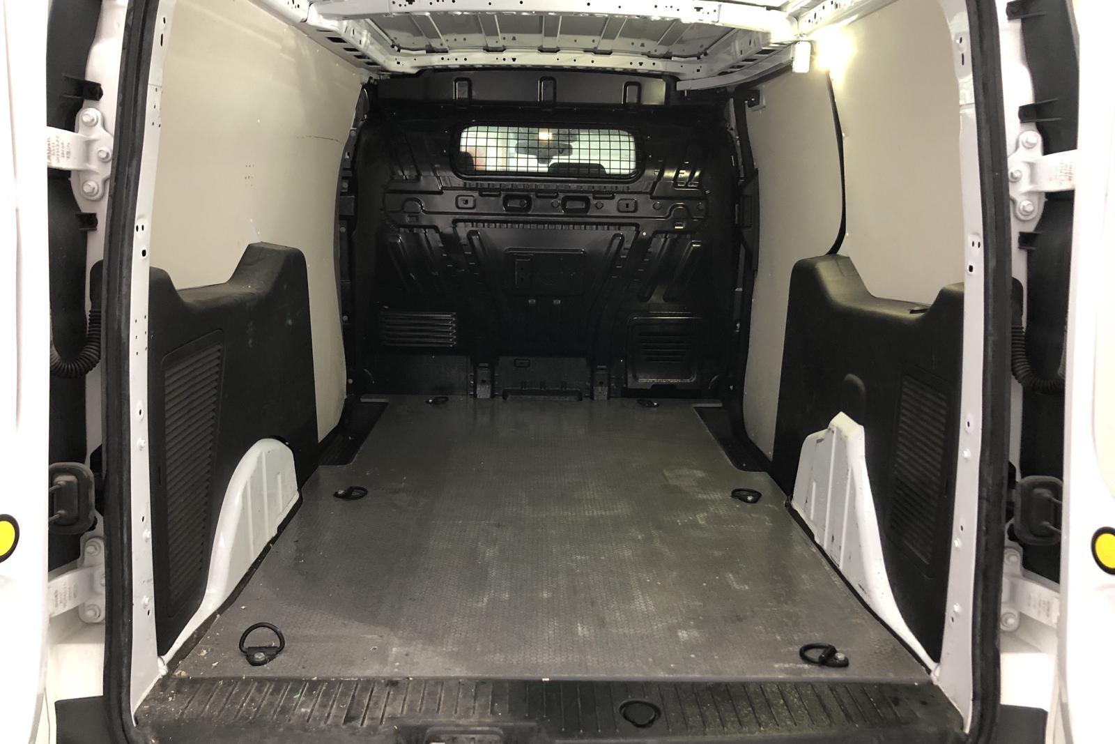 Ford Transit Connect 1.5 TDCi (120hk) - 5 344 mil - Automat - vit - 2016