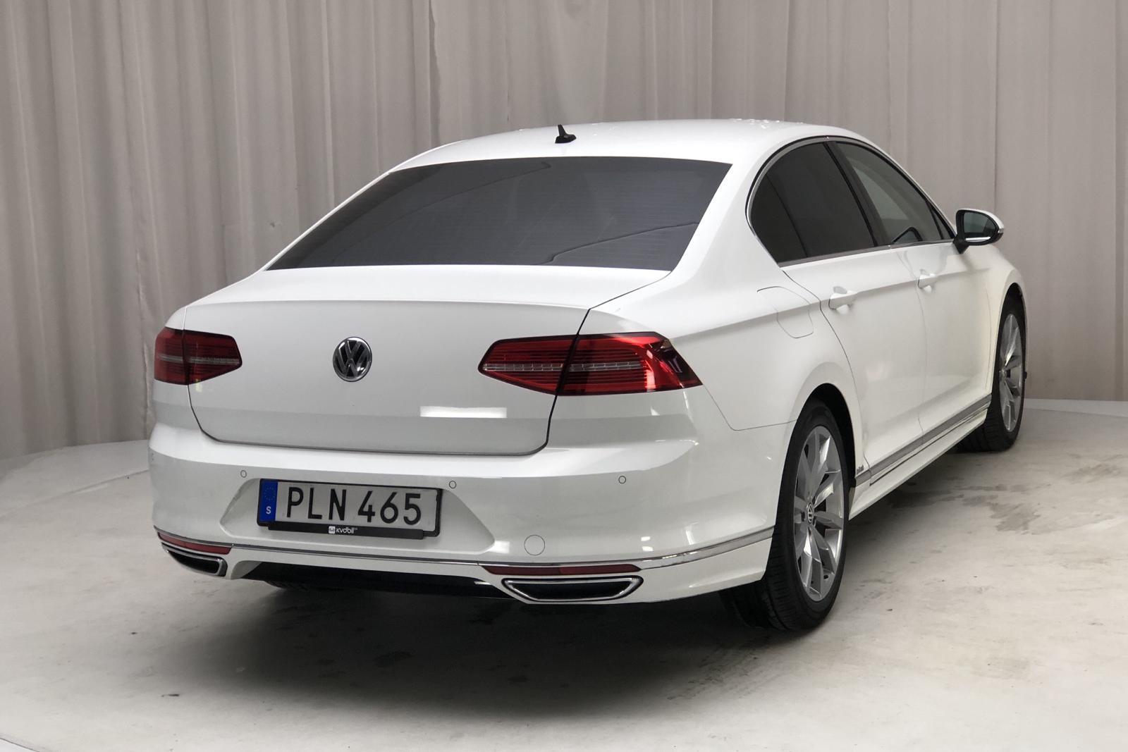 VW Passat 2.0 TDI (190hk) - 6 125 mil - Manuell - vit - 2018