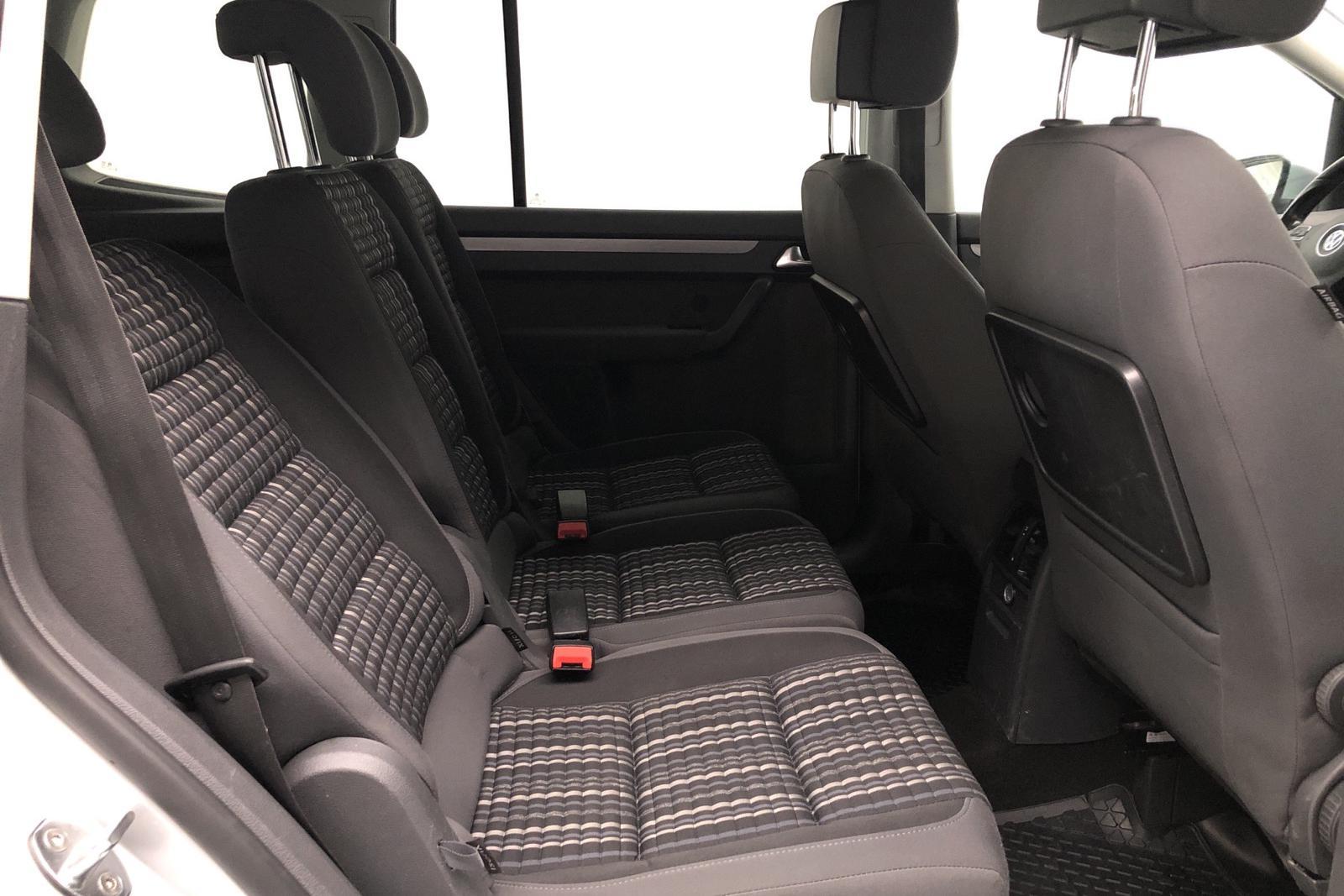 VW CrossTouran 2.0 TDI (140hk) - 147 520 km - Automatic - silver - 2013
