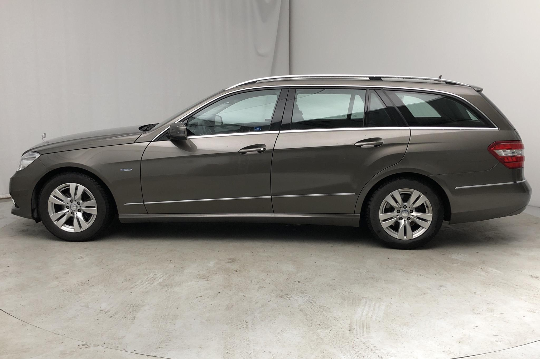 Mercedes E 220 CDI Kombi S212 (170hk) - 42 440 km - Automatic - Dark Grey - 2010
