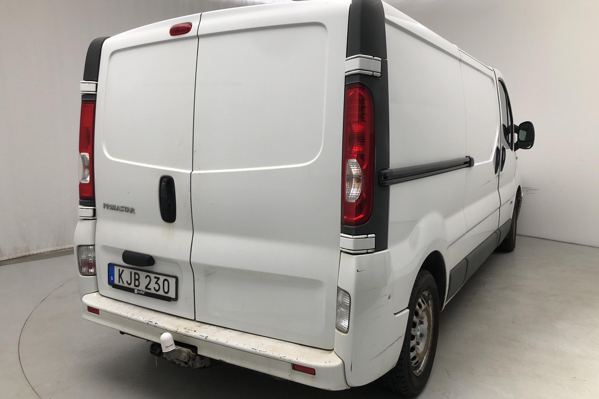 Nissan Primastar 2.0 dCi (114hk) - 18 560 mil - Manuell - vit - 2014