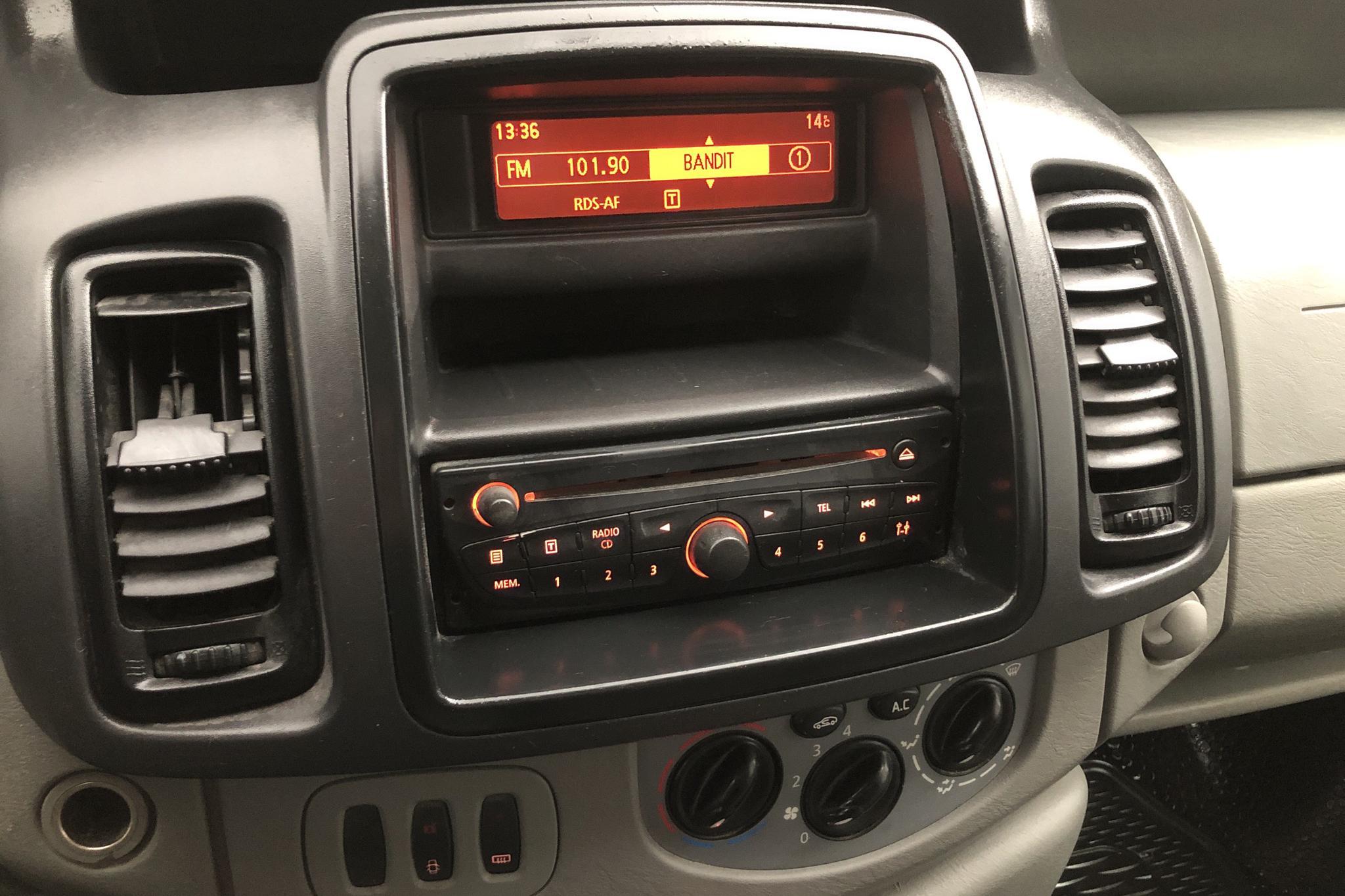 Nissan Primastar 2.0 dCi (114hk) - 185 600 km - Manual - white - 2014