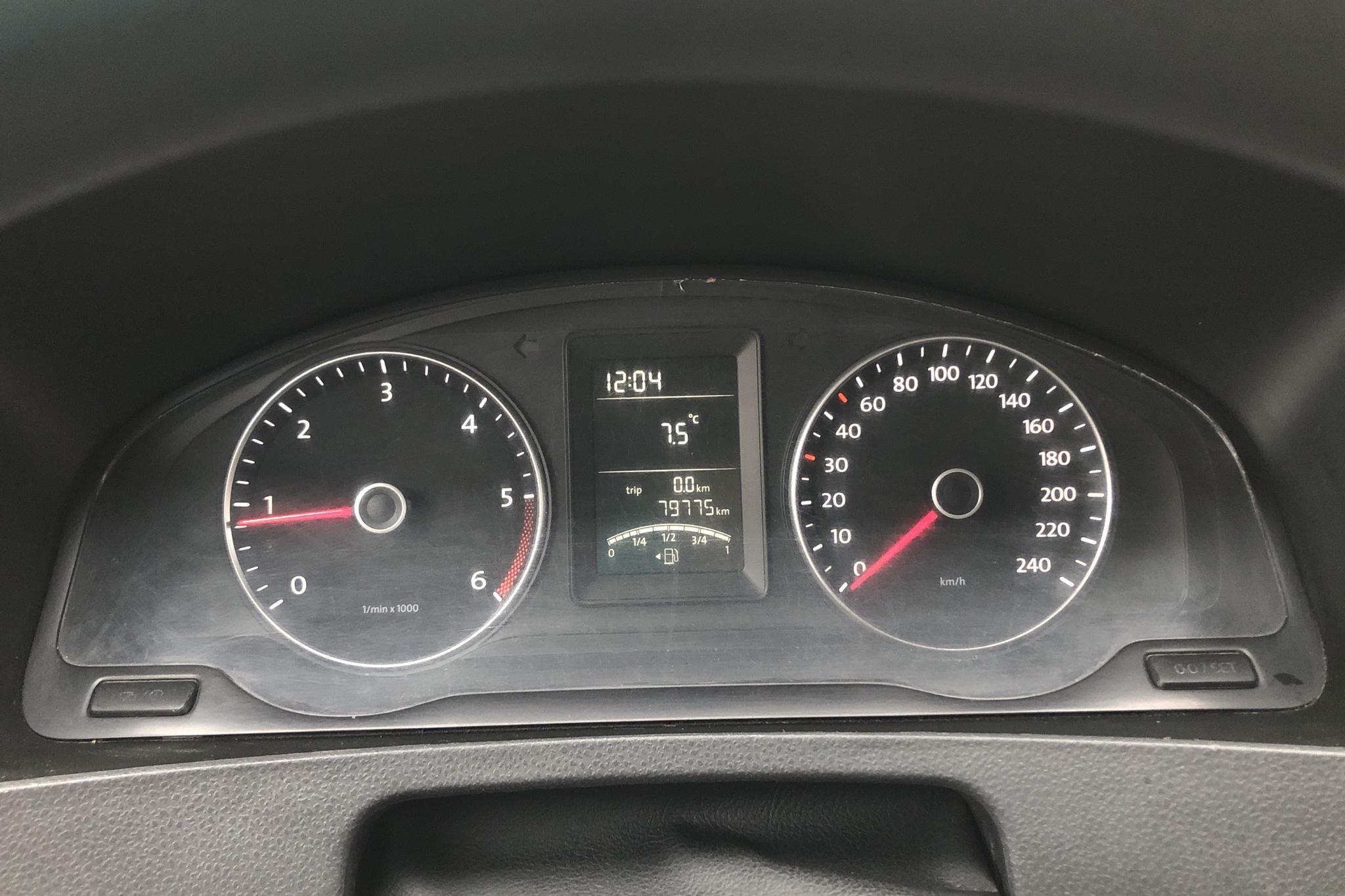 VW Transporter T5 2.0 TDI Pickup (102hk) - 7 977 mil - Manuell - vit - 2014
