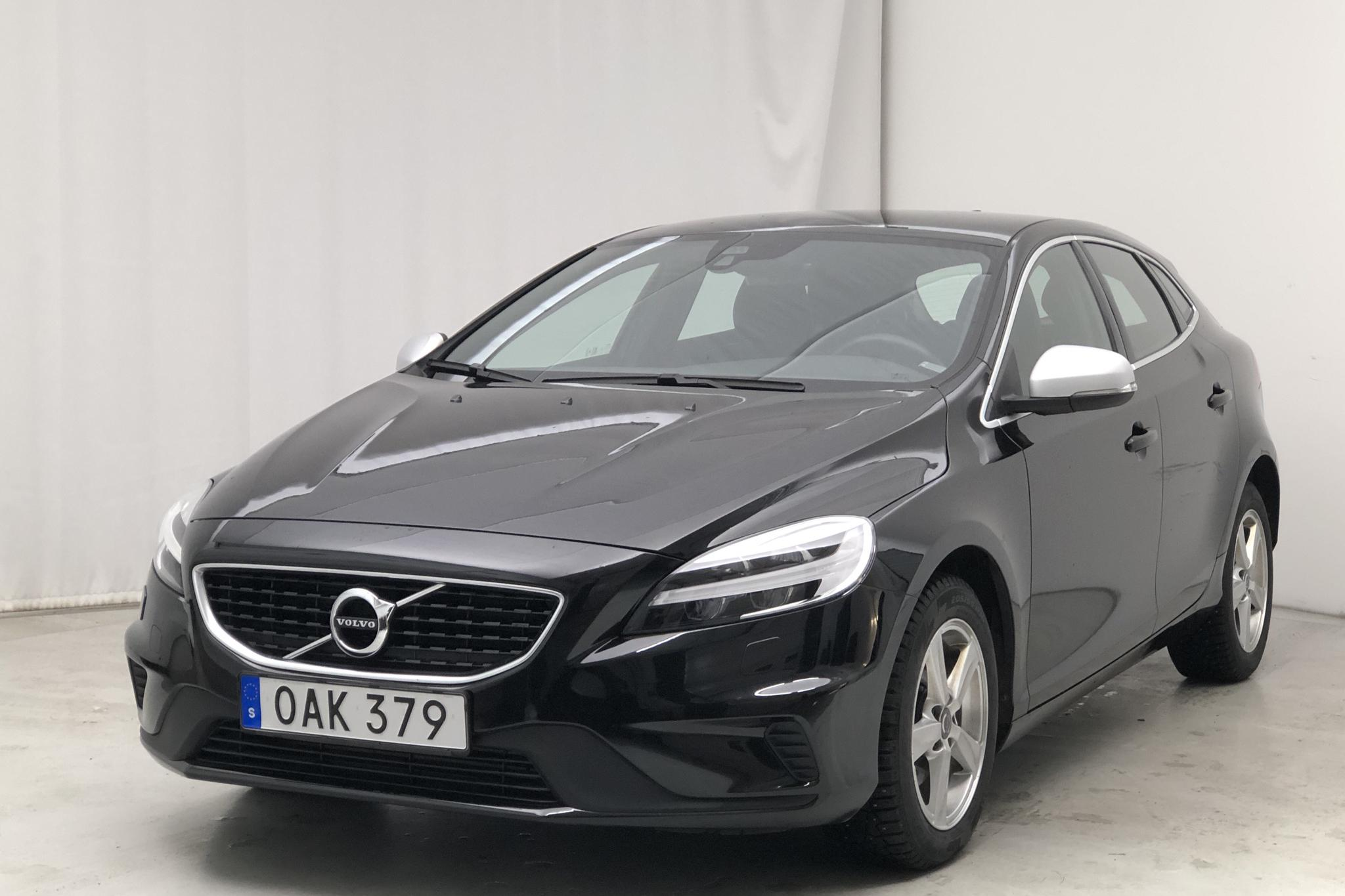Volvo V40 D2 (120hk) - 38 570 km - Manual - black - 2017
