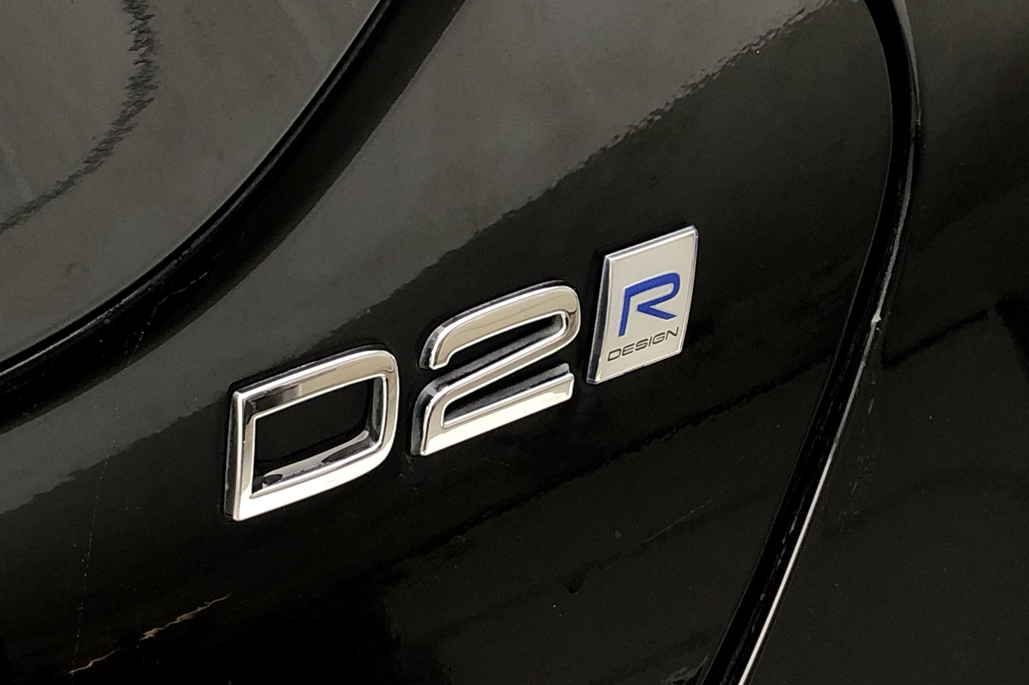 Volvo V40 D2 (120hk) - 38 570 km - Manual - black - 2017