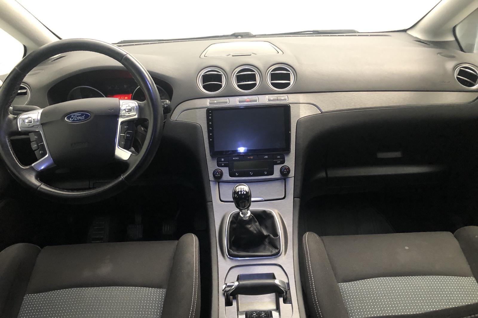 Ford S-MAX 2.0 TDCi (115hk) - 182 550 km - Manual - gray - 2011