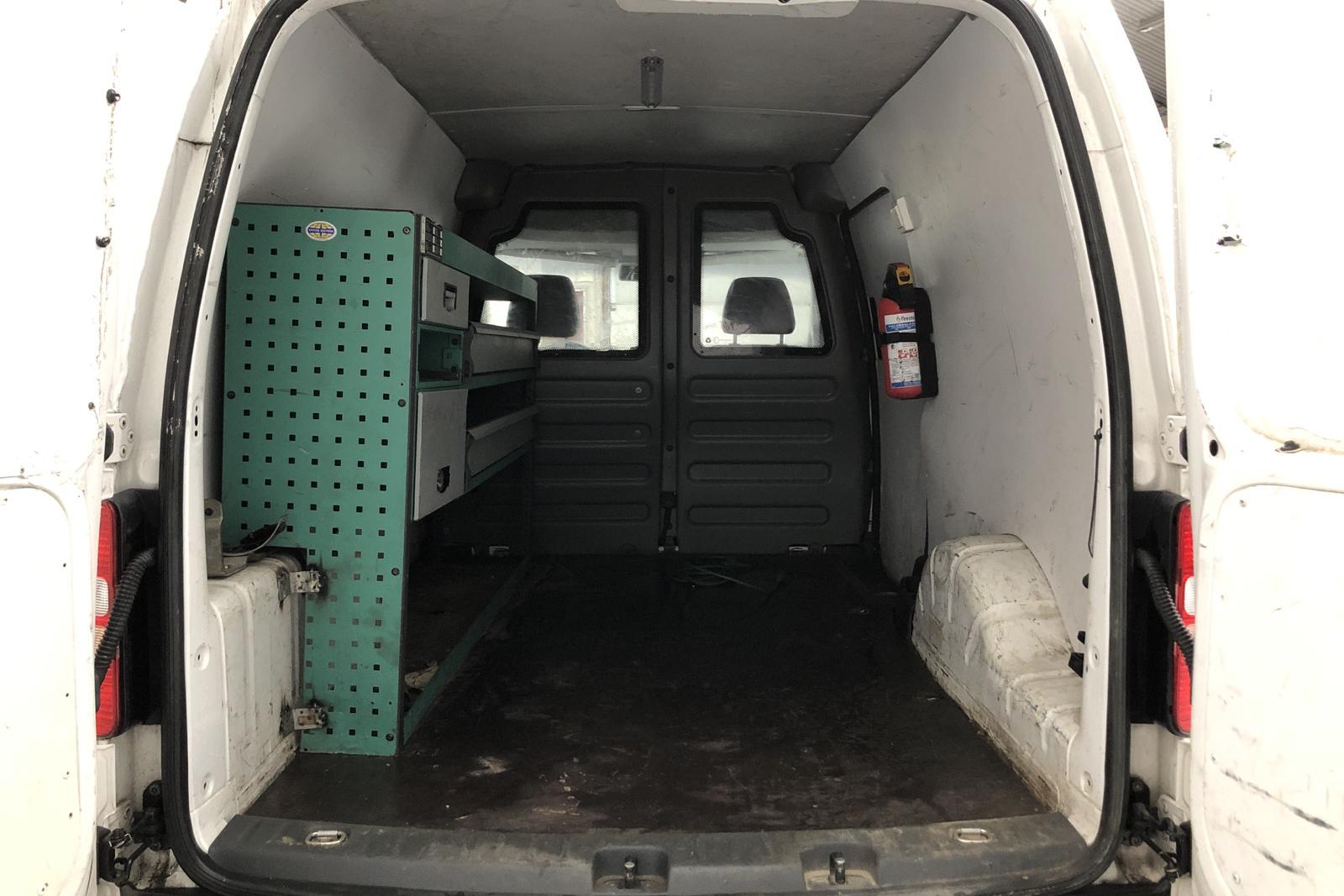 VW Caddy 1.6 TDI Maxi Skåp (102hk) - 11 336 mil - Manuell - vit - 2012