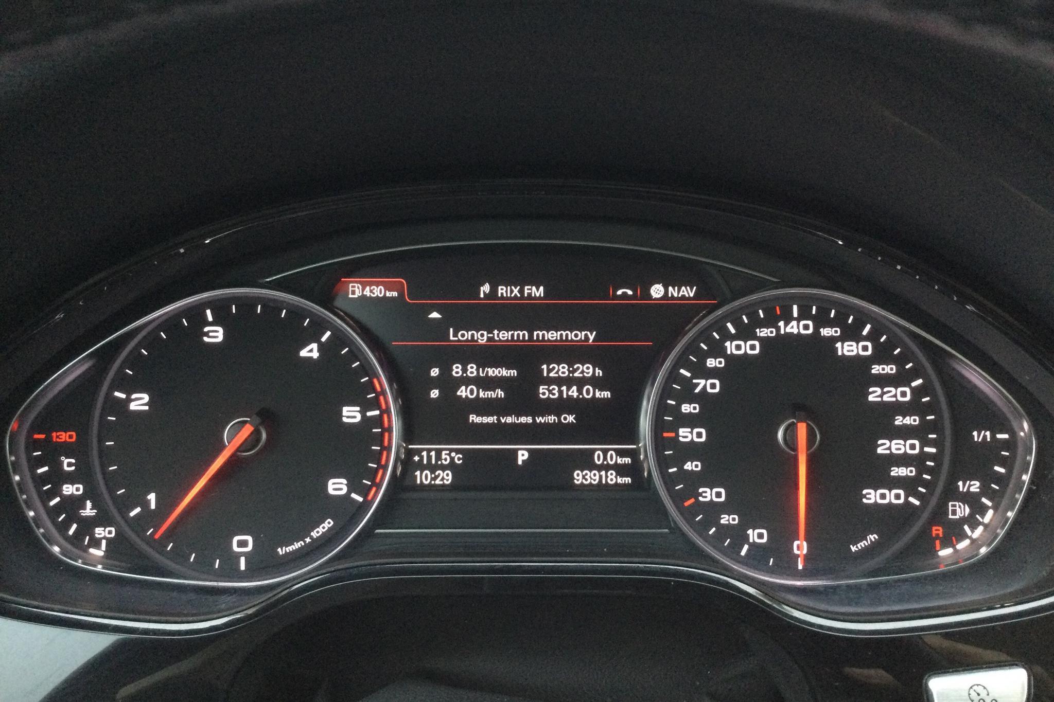 Audi A8 4.2 TDI quattro (350hk) - 9 389 mil - Automat - svart - 2011