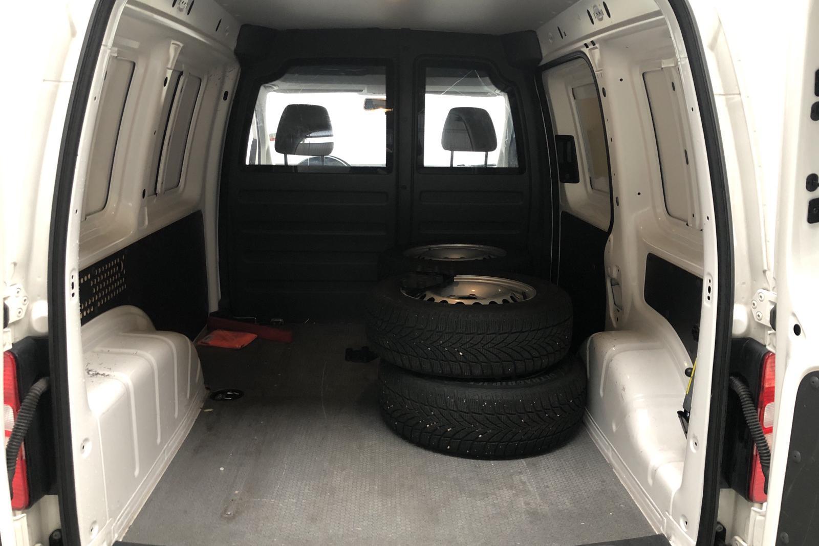 VW Caddy 1.6 TDI Skåp (102hk) - 48 480 km - Automatic - white - 2015