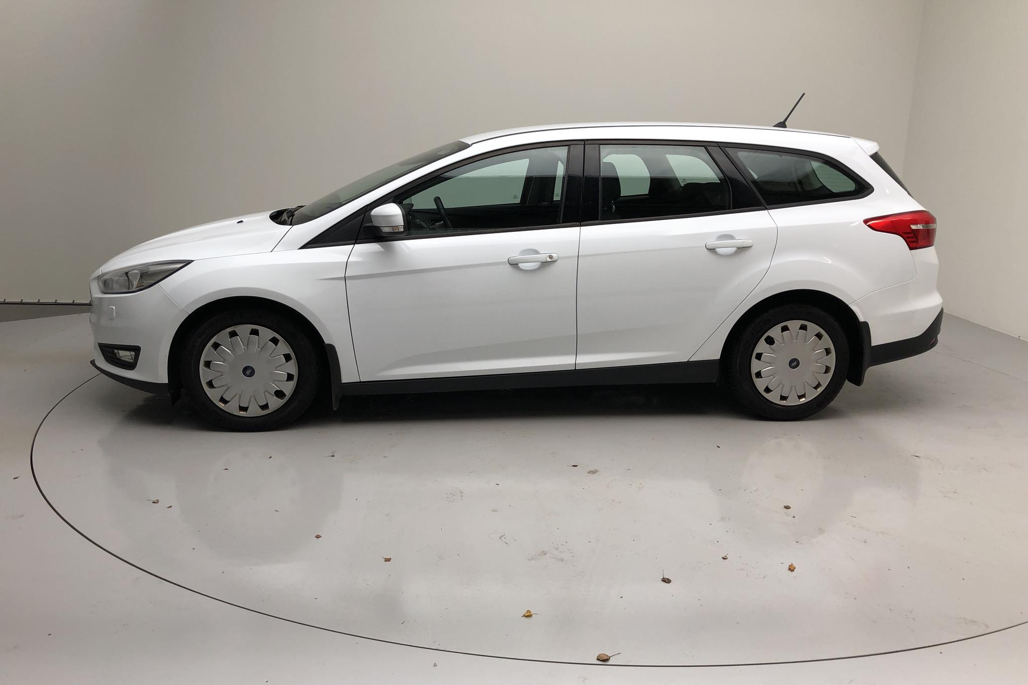 Ford Focus 1.5 TDCi ECOnetic Kombi (105hk) - 79 650 km - Manual - white - 2017