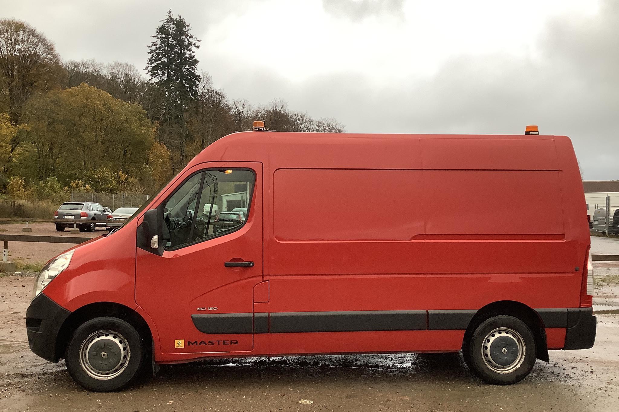 Renault Master 2.3 dCi FAP 2WD (146hk) - 9 972 mil - Automat - röd - 2011