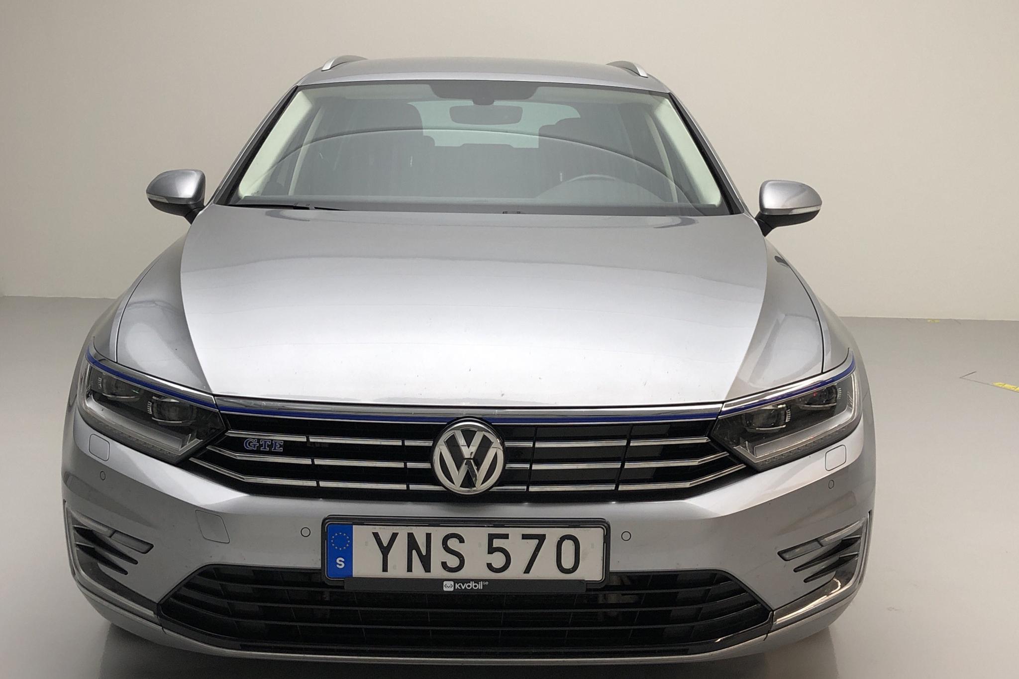 VW Passat 1.4 Plug-in-Hybrid Sportscombi (218hk) - 7 205 mil - Automat - silver - 2018