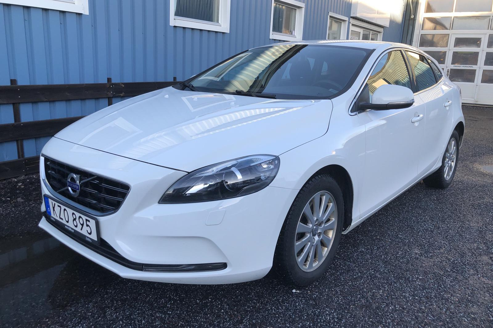 Volvo V40 D2 (120hk) - 87 750 km - Manual - white - 2016