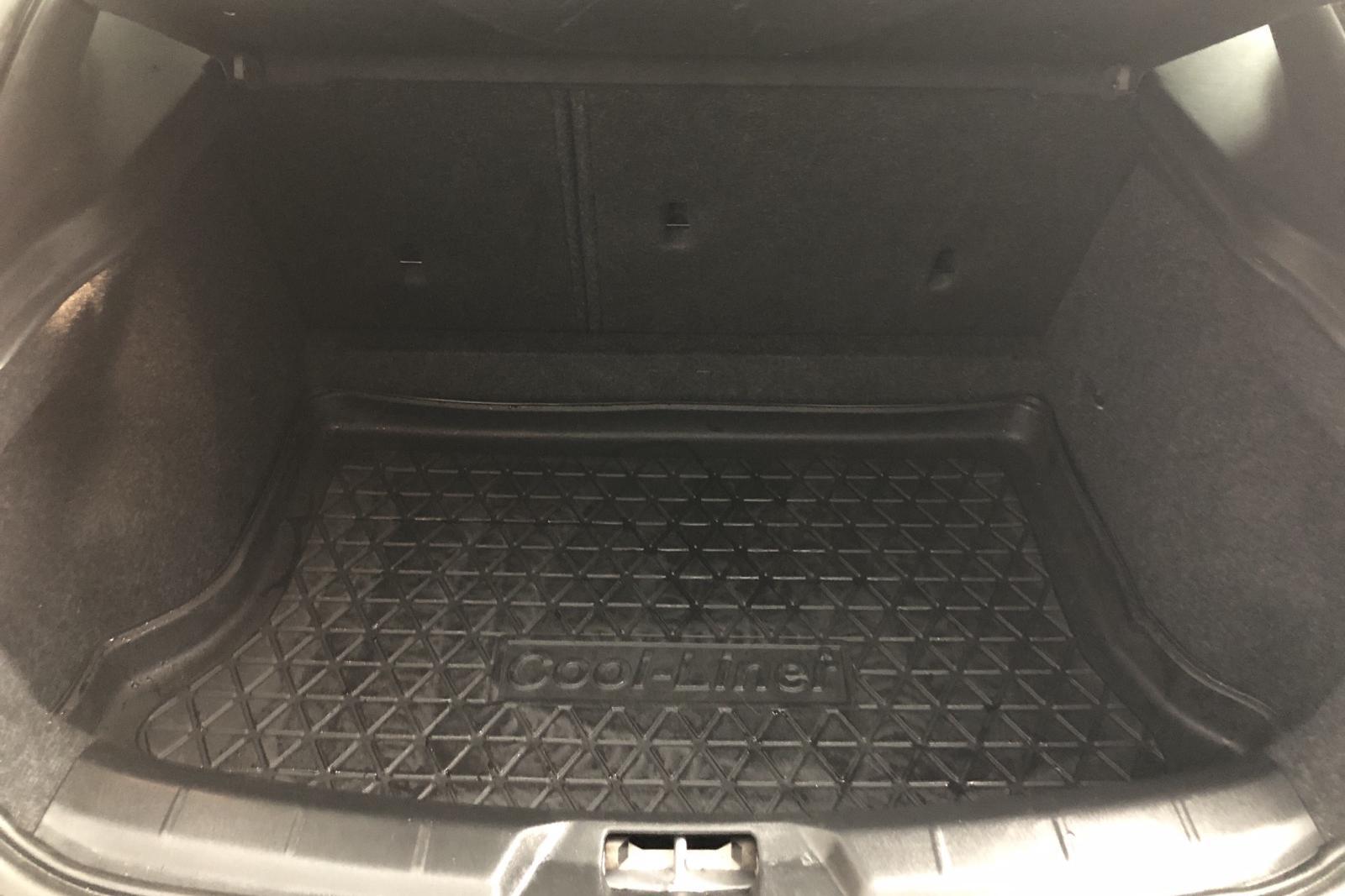 Volvo V40 Cross Country D3 (150hk) - 34 420 km - Manual - black - 2018