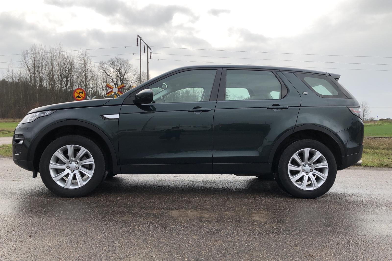 Land Rover Discovery Sport 2.0 TD4 AWD (180hk) - 66 280 km - Automatic - green - 2016