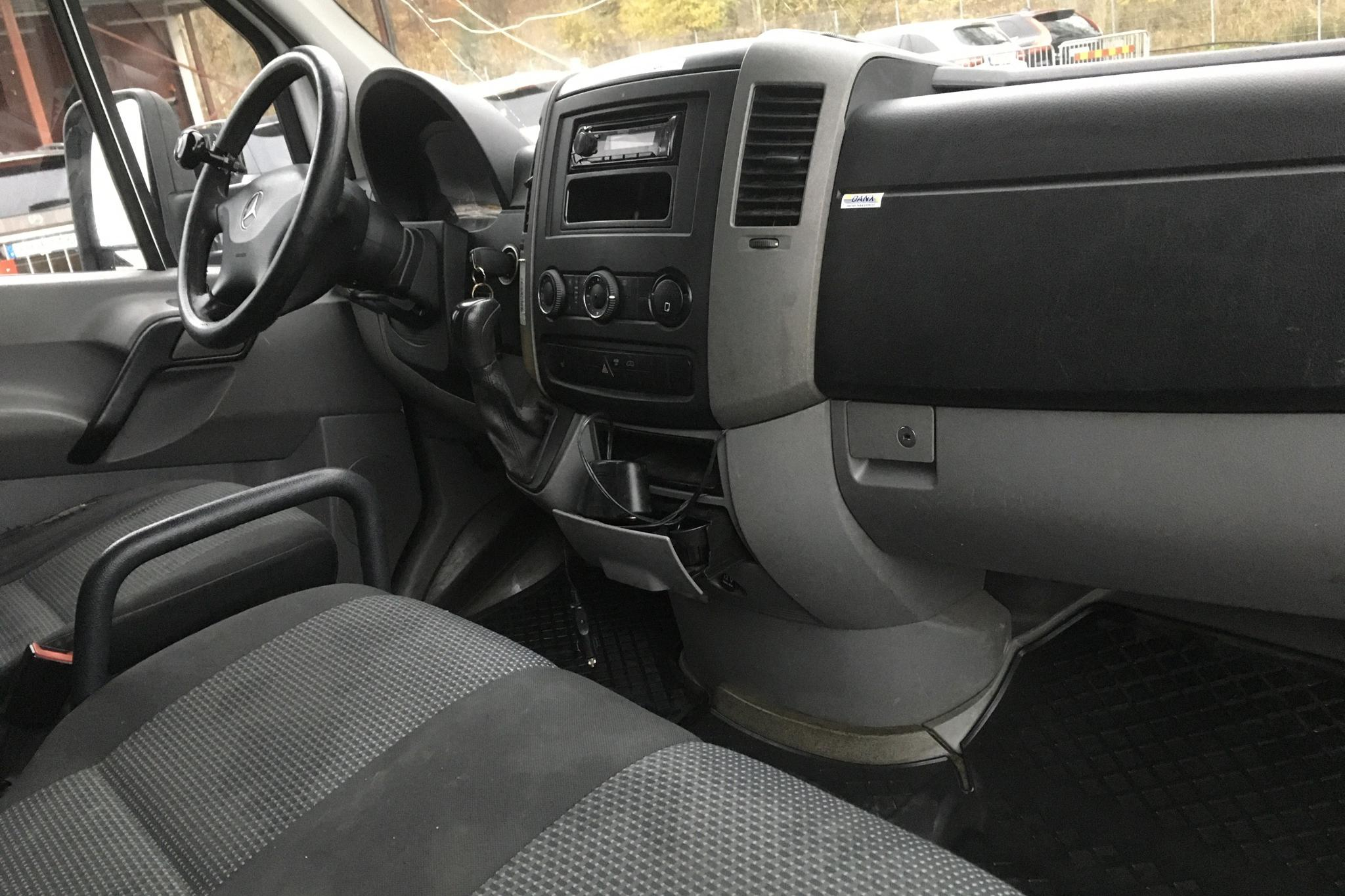 Mercedes Sprinter 319 CDI Pickup/Chassi (190hk) - 49 158 mil - Automat - vit - 2011